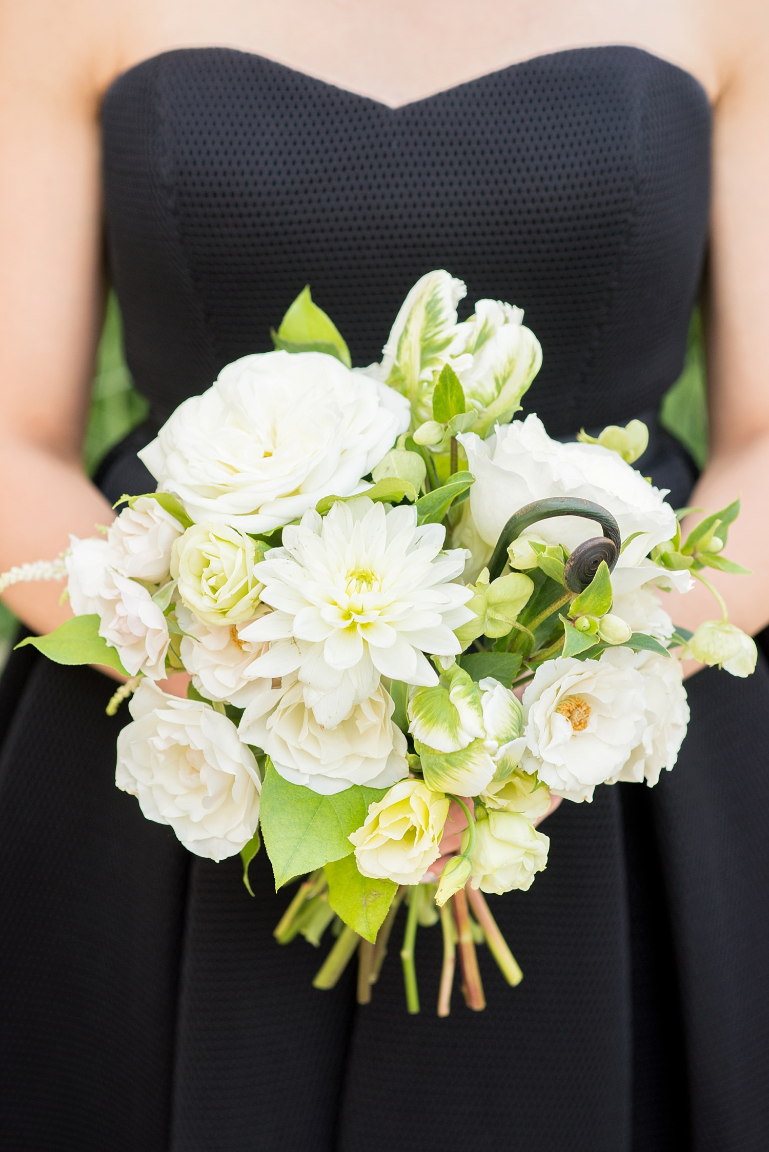 mikkelpaige-full_aperture_floral-pearl_river_hilton_wedding_0014.jpg