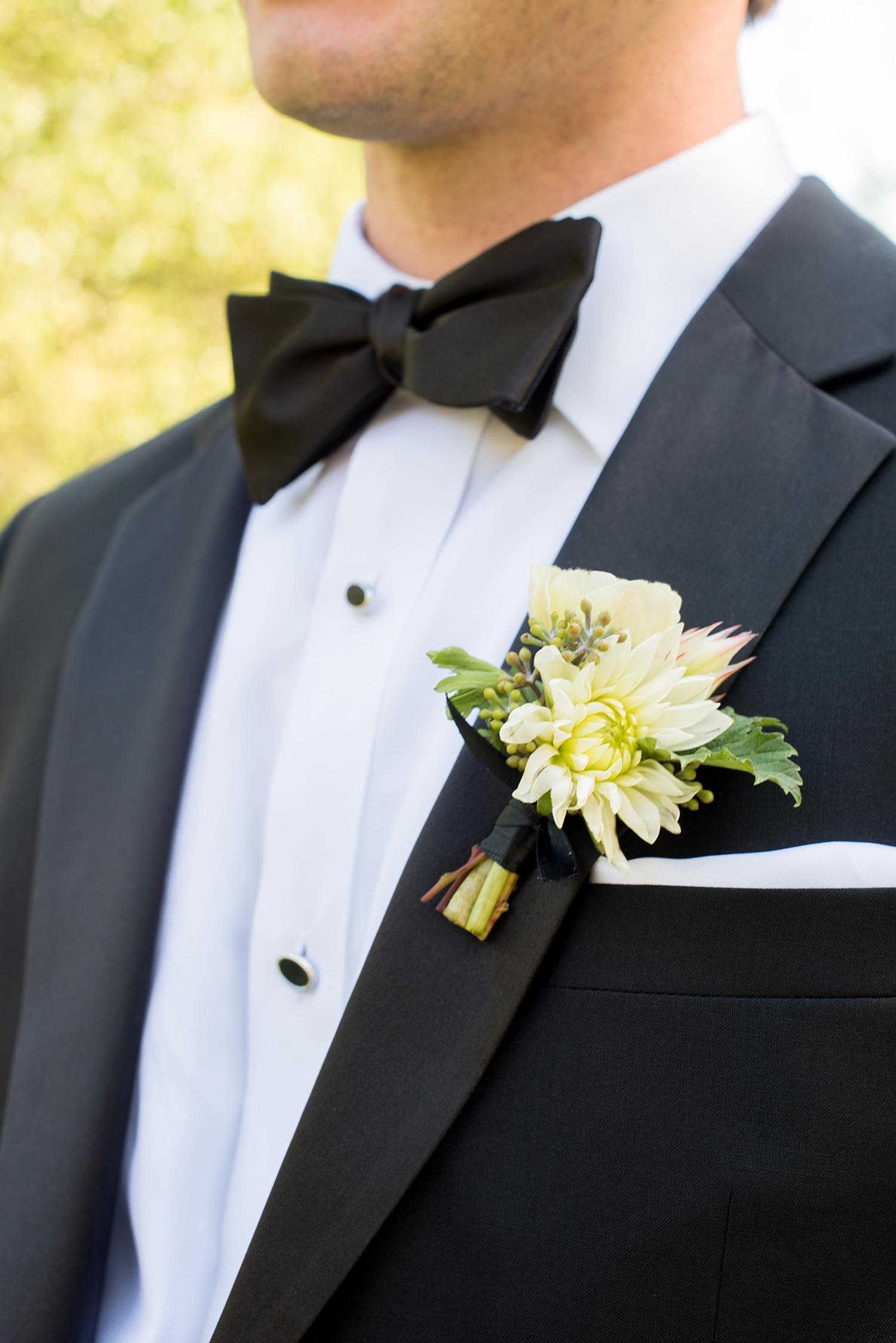 mikkelpaige-full_aperture_floral-pearl_river_hilton_wedding_0008.jpg