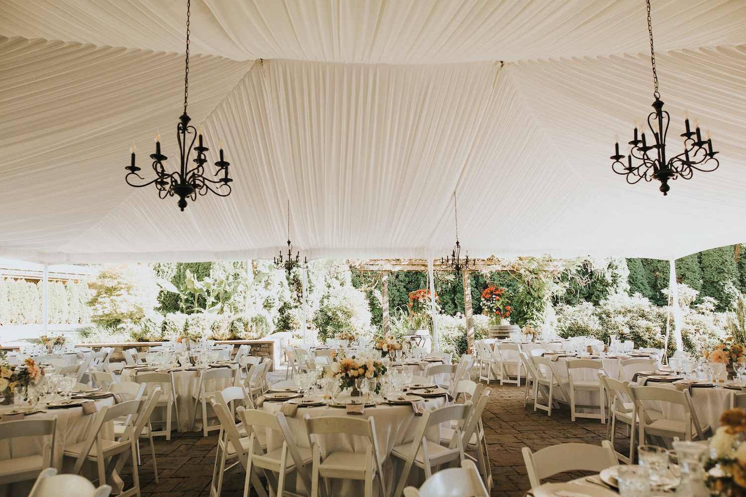 Wild Bloom Floral - Rachel Birkhofer Photography - Jessica and Phil - Real Wedding - Seattle 31.jpeg