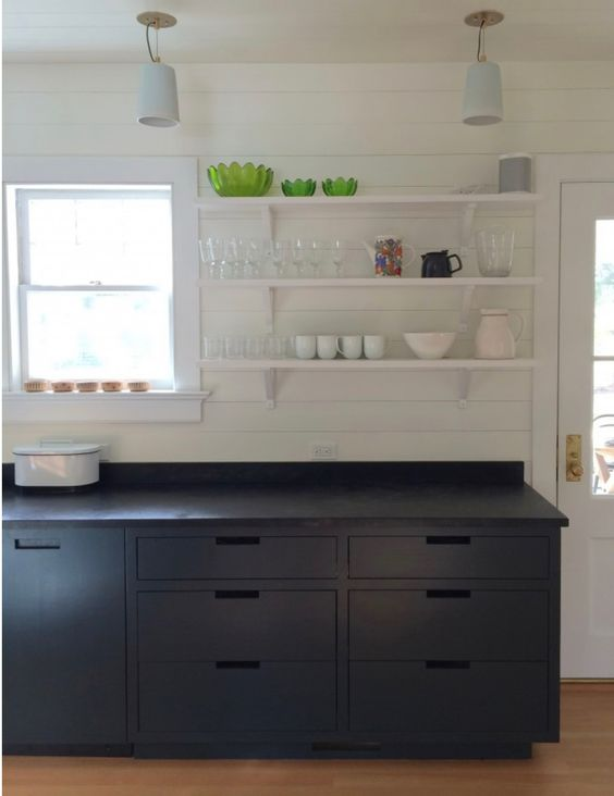 SOAPSTONE | KITCHEN COUNTERTOP & BACKSPLASH