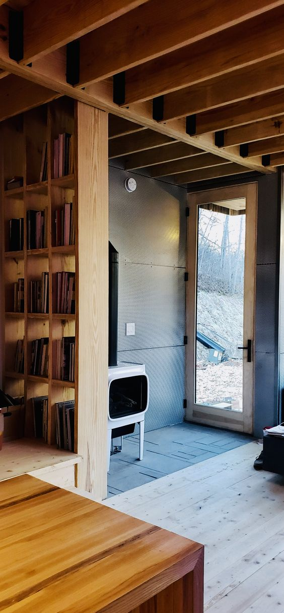 LONGHAUS | KARPENTER BOOKCASE | JOTUL GF 305 GAS STOVE