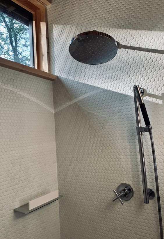 LONGHAUS | MASTER SHOWER | PENNY TILE