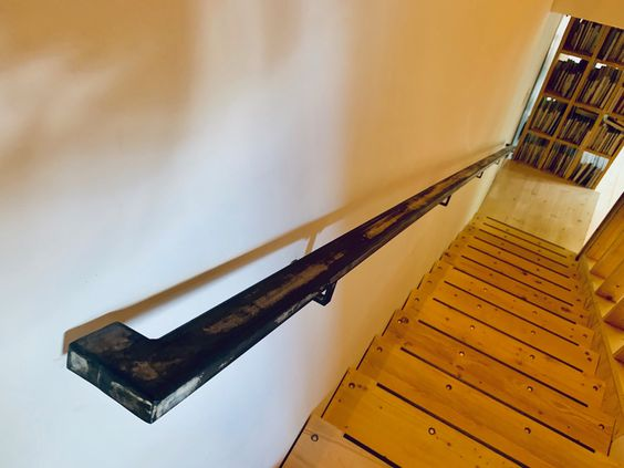 LONGHAUS   OUTFITTER   STAIR RAILING