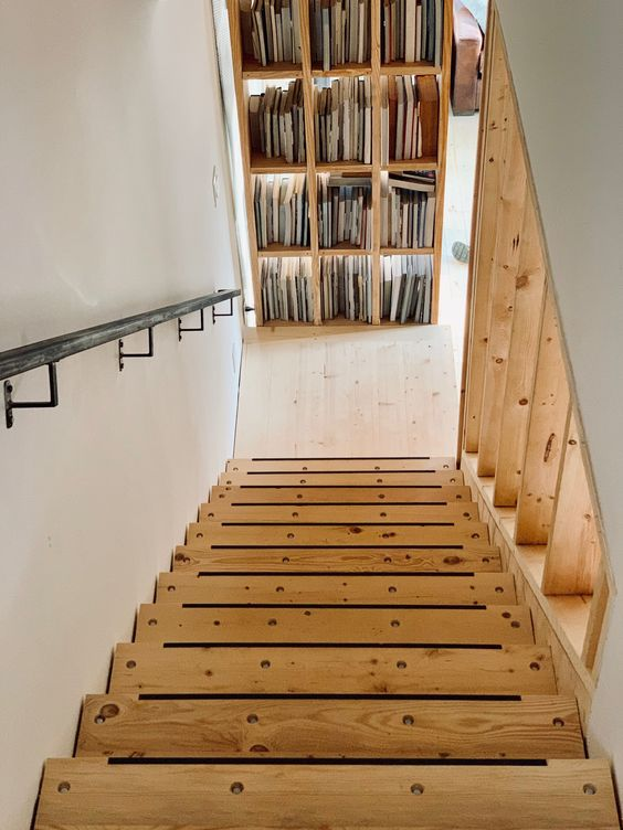 LONGHAUS | OUTFITTER STAIR | KARPENTER BOOKCASE