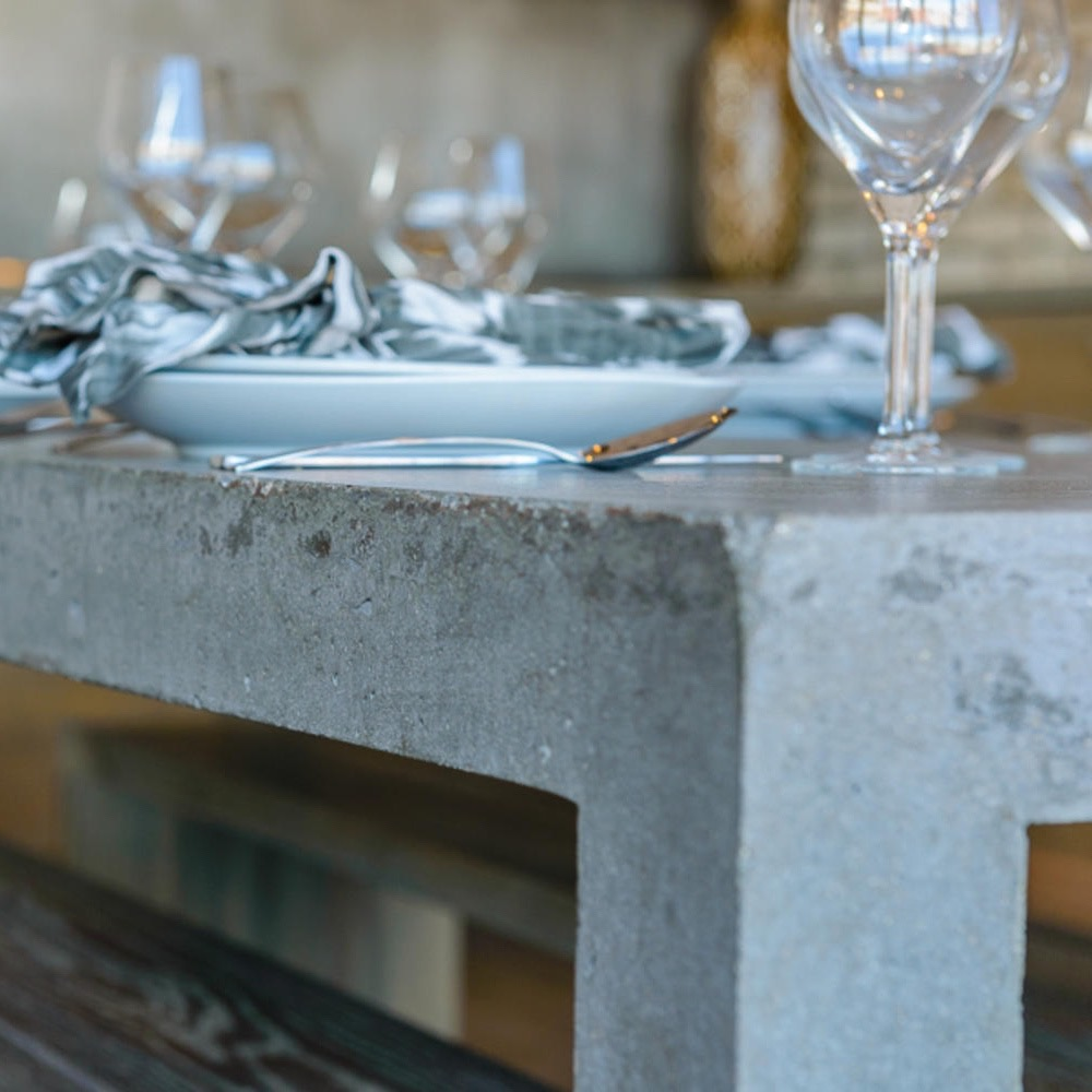 ROOST   KITCHEN   RELIK TABLE