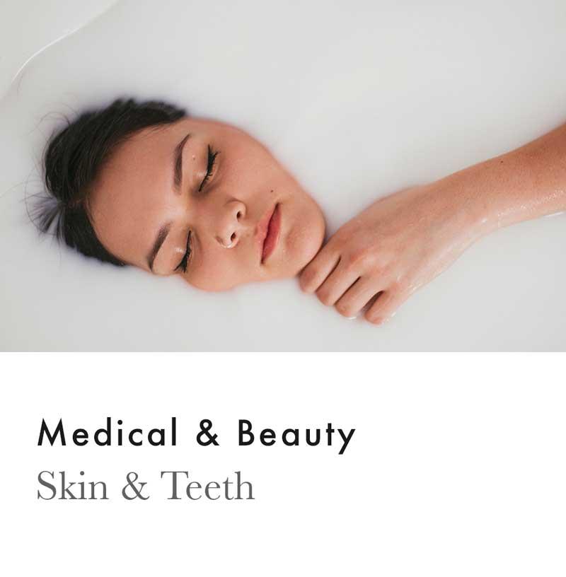 © Chris Rae Design Sydney - Graphic Web Branding Social Media Marketing - Skin and Teeth branding by.jpg
