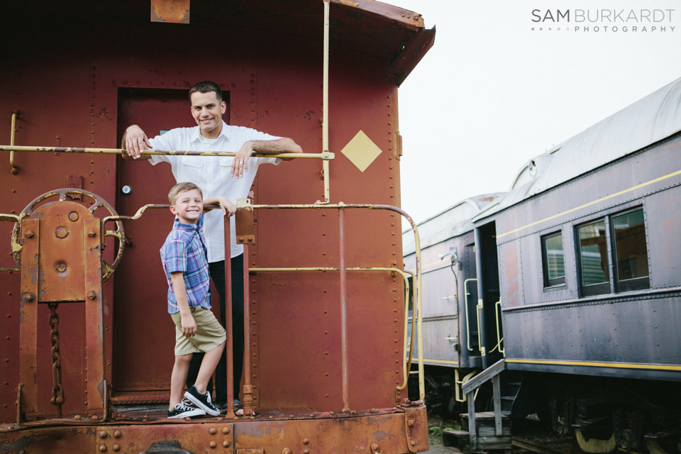 samburkardt_pensacola_florida_family_train_museum_photoshoot_summer_0015