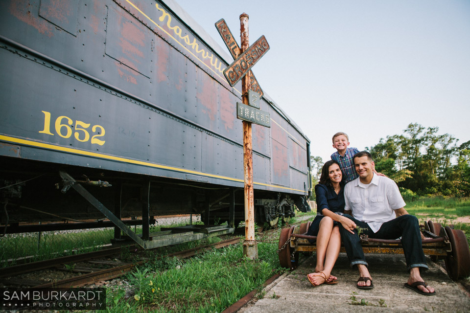 samburkardt_pensacola_florida_family_train_museum_photoshoot_summer_0016