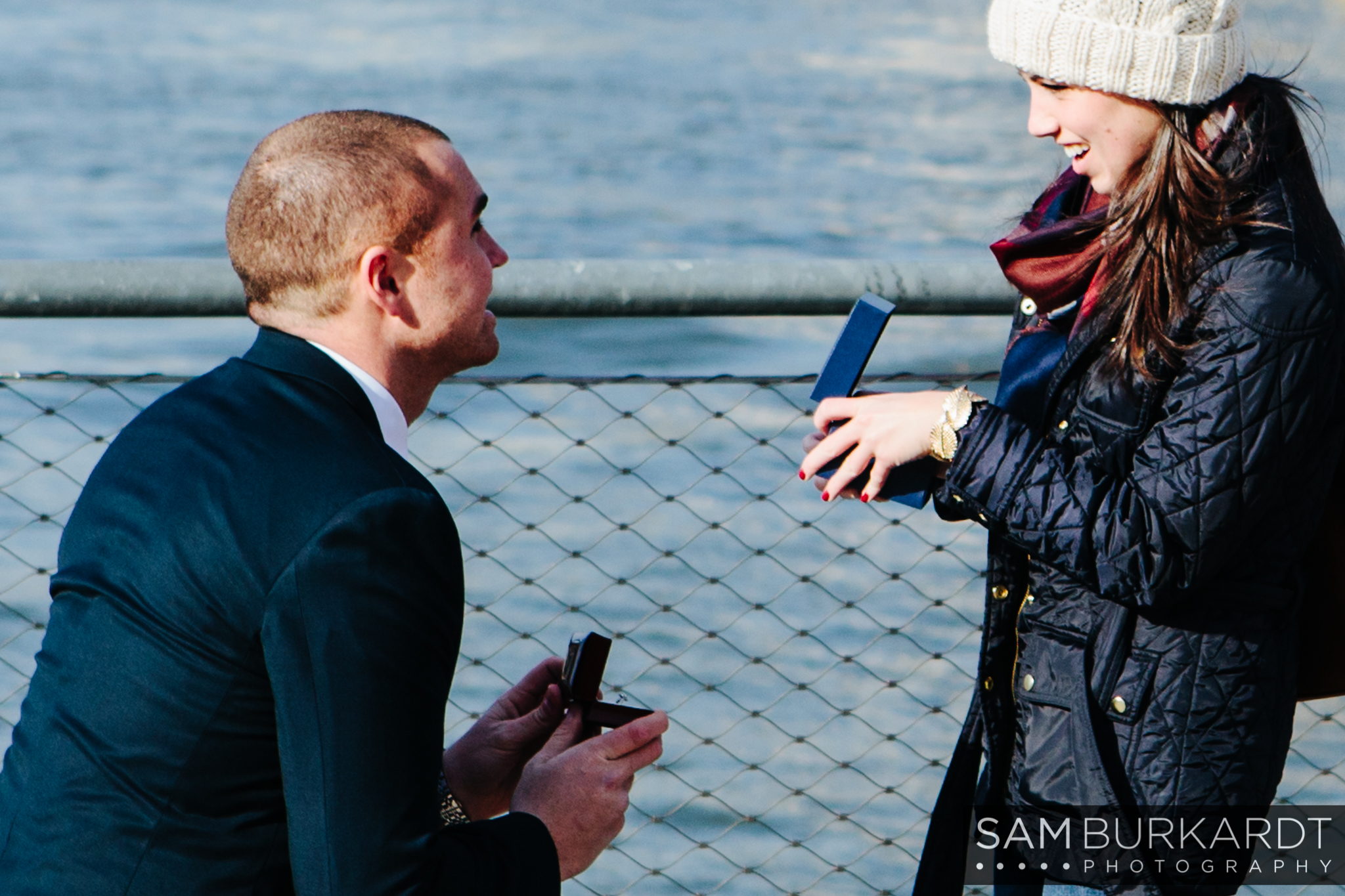 samburkardt_brooklyn_bridge_new_york_engagement_proposal_skyline_0004.jpg