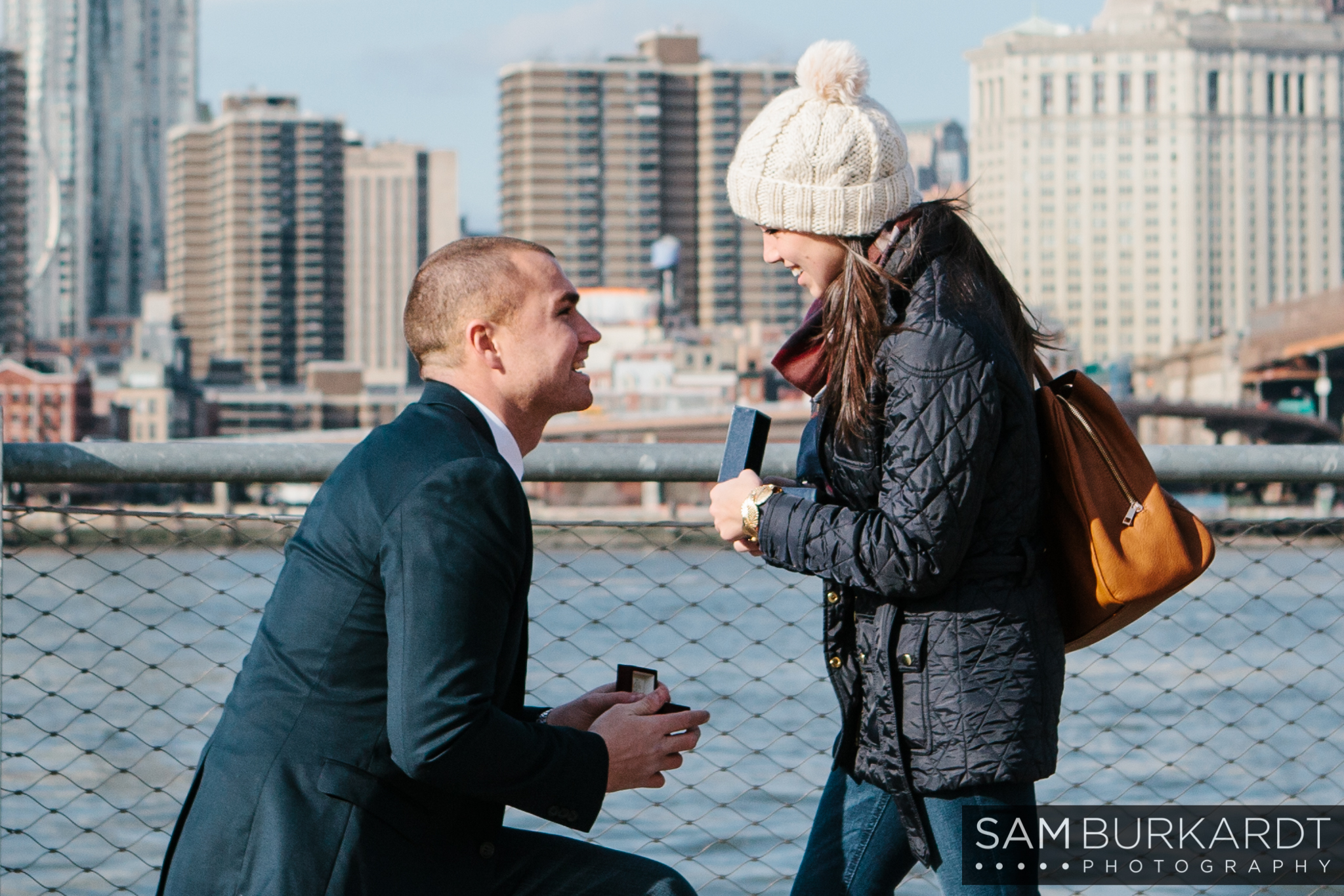 samburkardt_brooklyn_bridge_new_york_engagement_proposal_skyline_0005.jpg
