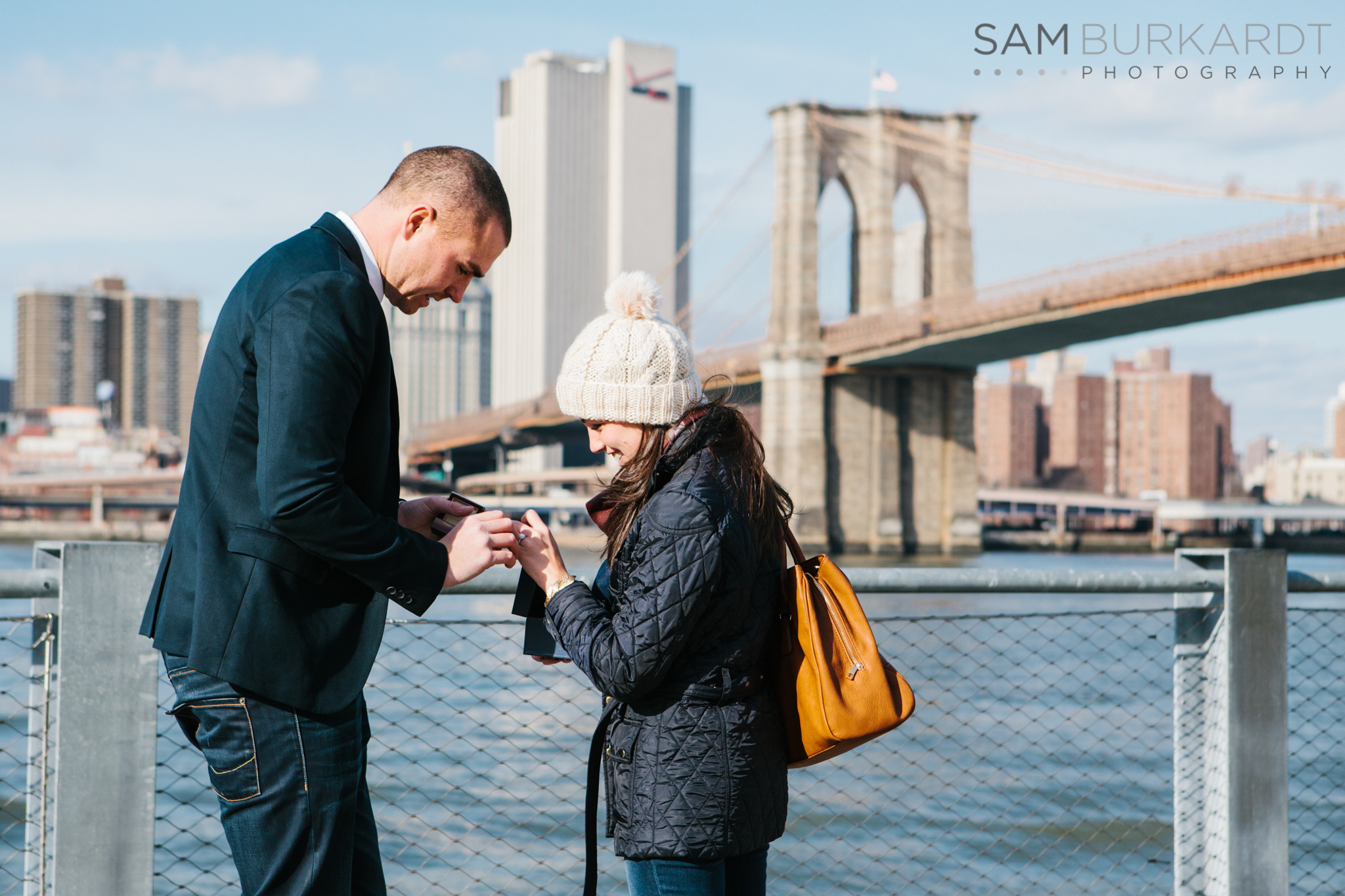 samburkardt_brooklyn_bridge_new_york_engagement_proposal_skyline_0007.jpg