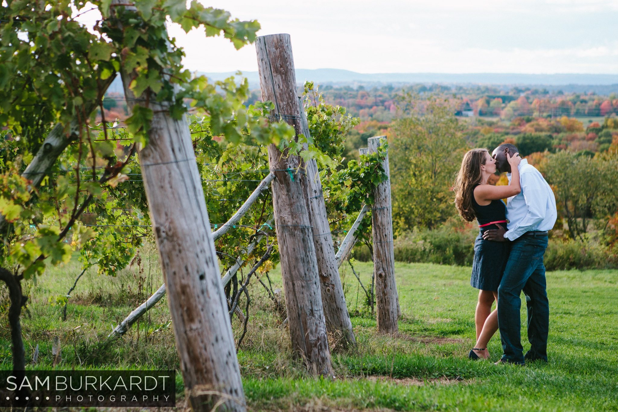 engagement-connecticut-vineyard-fall-foliage-wine
