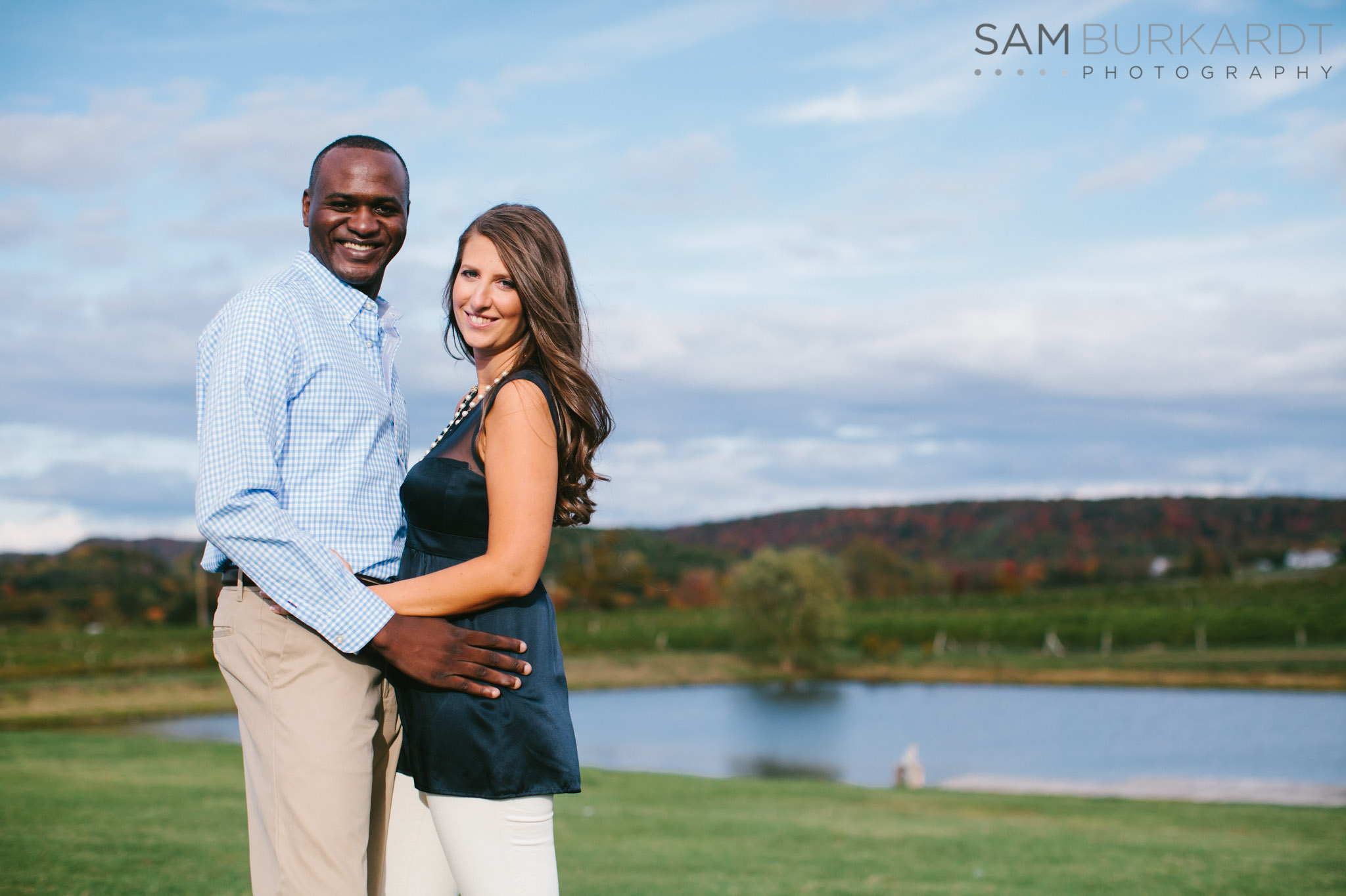 samburkardt-fall-engagement-connecticut-vineyard-nature-wine_0003.jpg