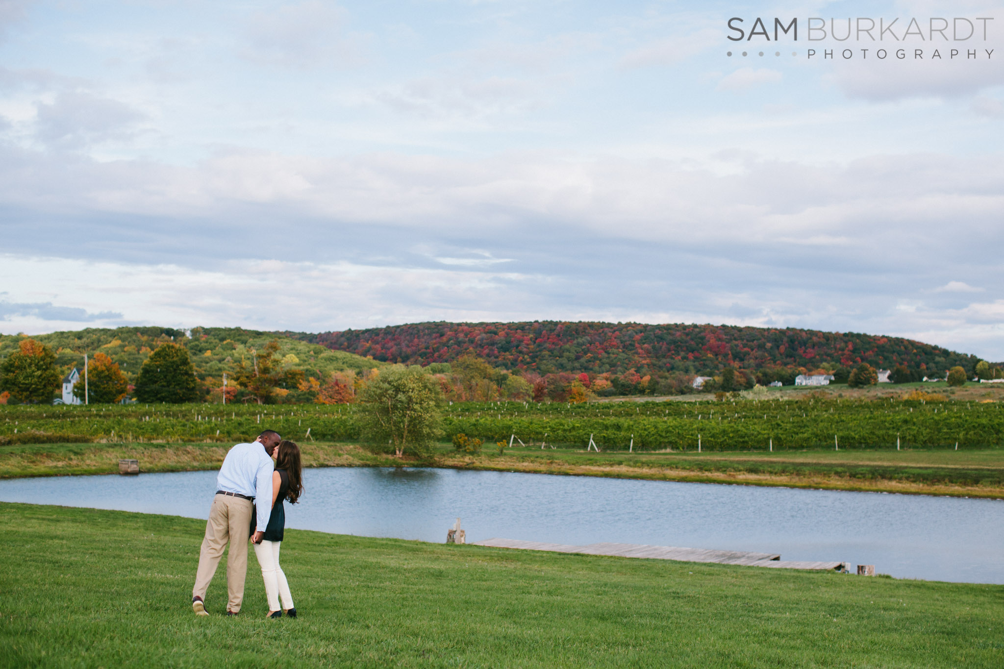 samburkardt-fall-engagement-connecticut-vineyard-nature-wine_0002.jpg