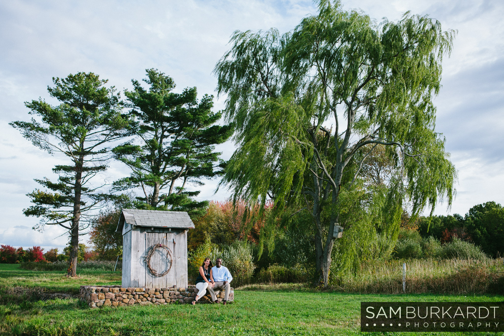 samburkardt-fall-engagement-connecticut-vineyard-nature-wine_0006.jpg