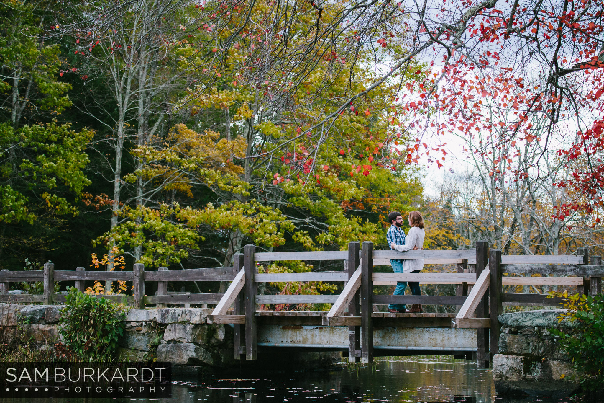 samburkardt-fall-engagement-connecticut-foliage-southford-falls-state-park_0003.jpg