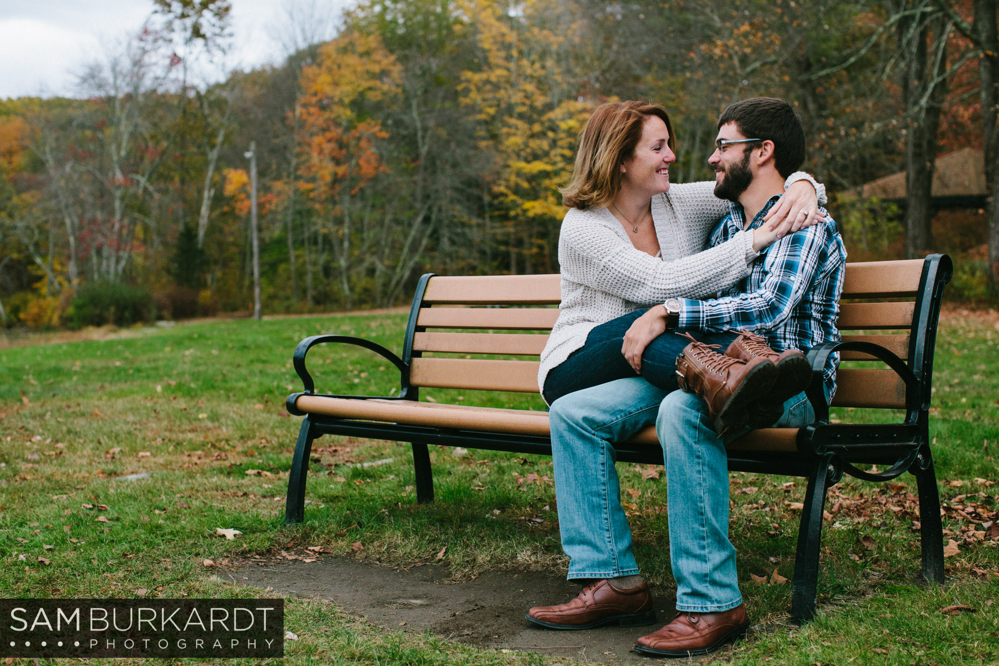 samburkardt-fall-engagement-connecticut-foliage-southford-falls-state-park_0004.jpg