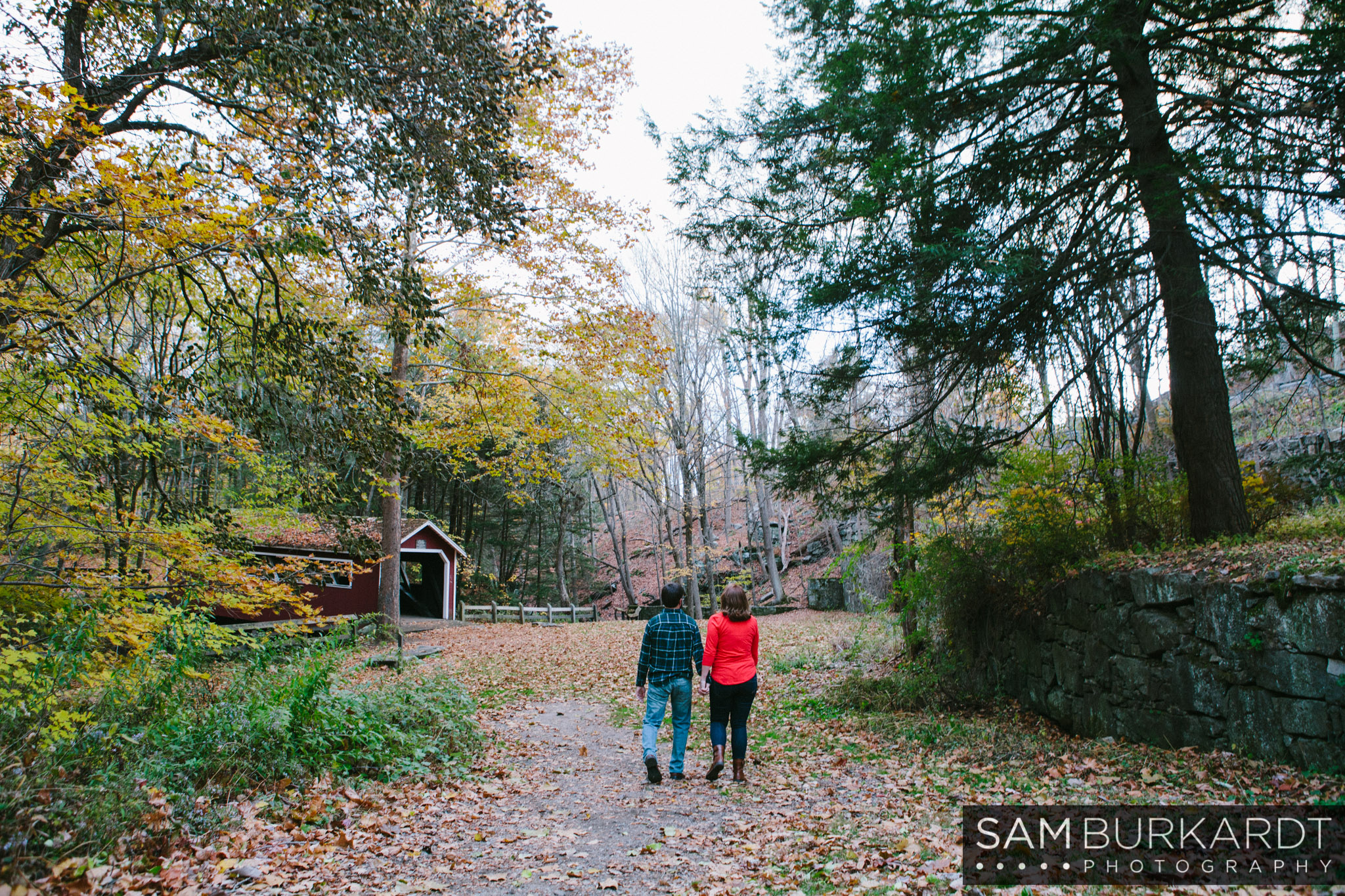 samburkardt-fall-engagement-connecticut-foliage-southford-falls-state-park_0014.jpg