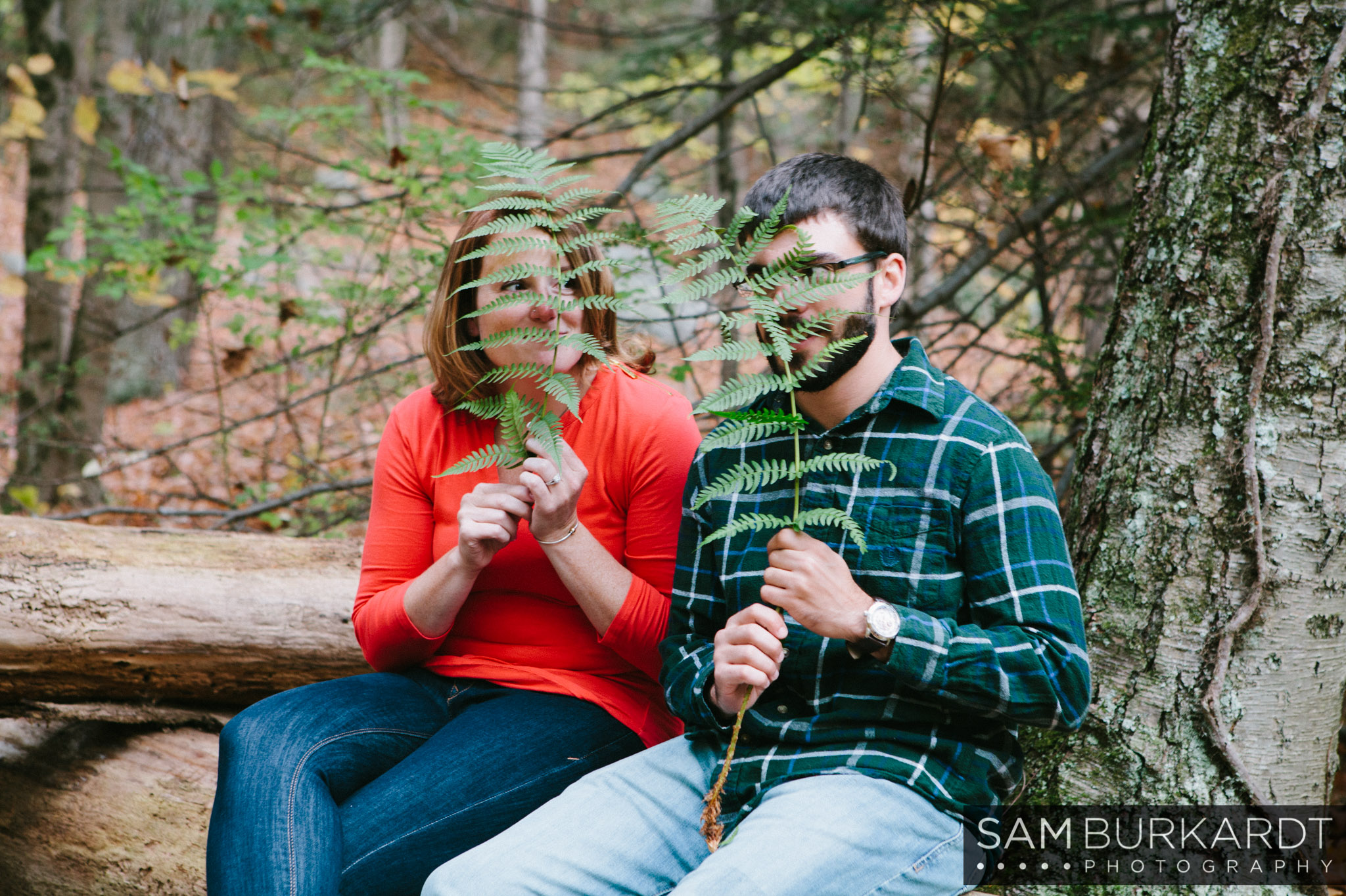 samburkardt-fall-engagement-connecticut-foliage-southford-falls-state-park_0017.jpg