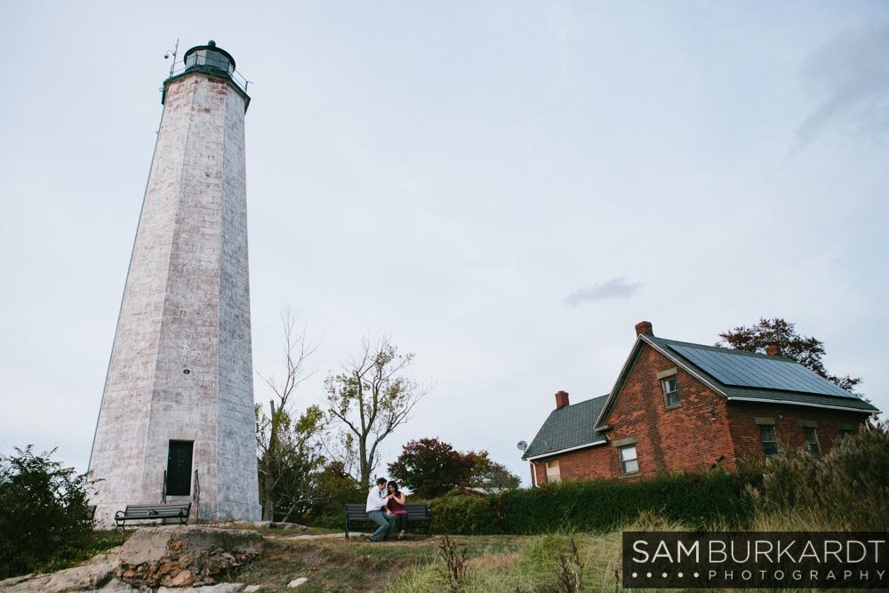sburkardt_beach_lighthouse_ct_engagement_015.jpg