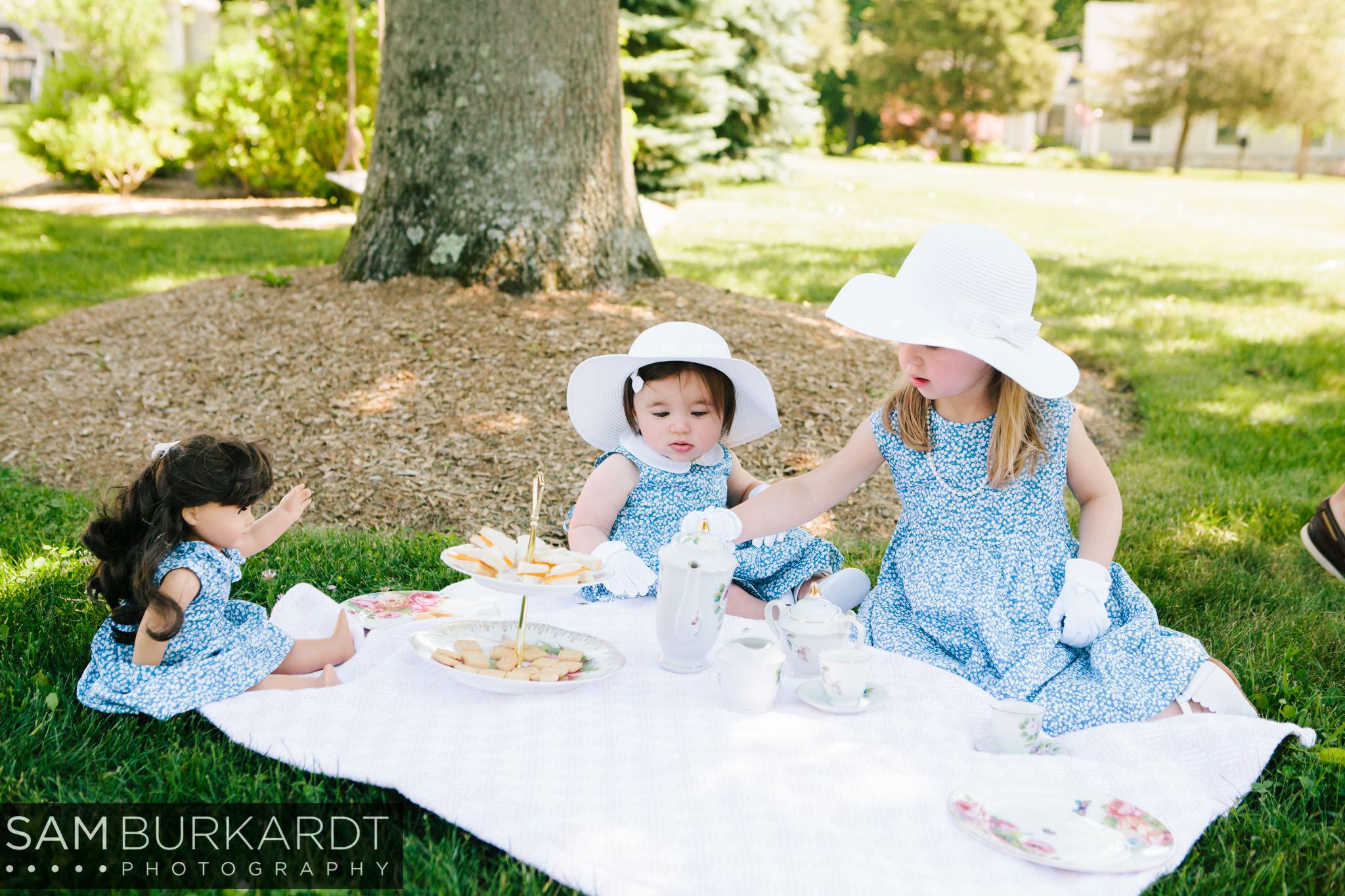 sburkardt_family_portraits_photoshoot_ridgefield_connecticut_summer_tea_party_004.jpg