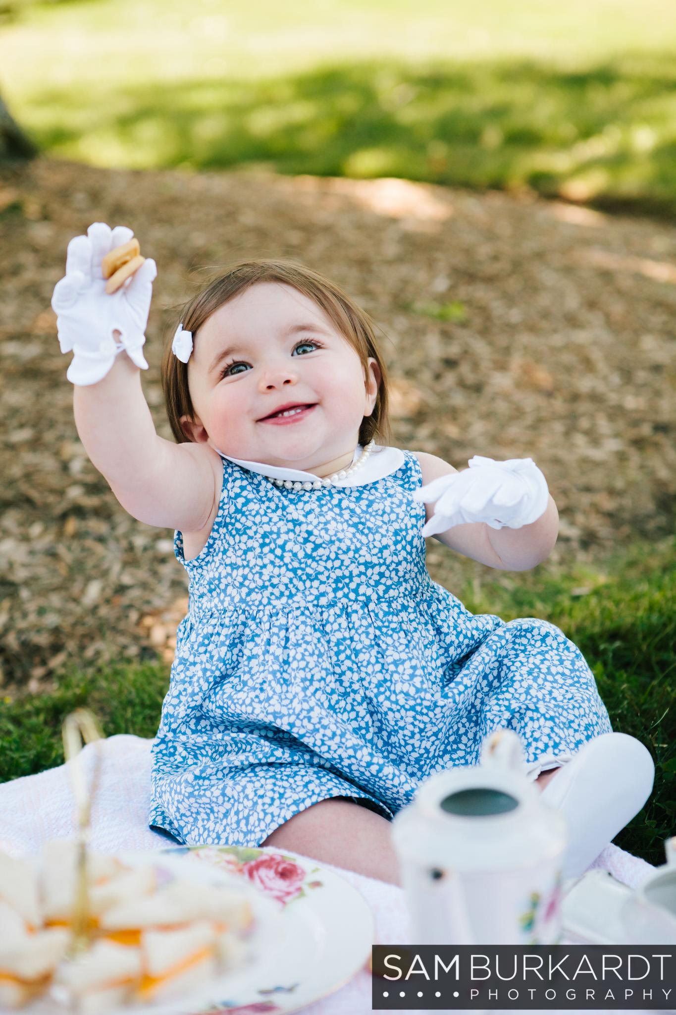 sburkardt_family_portraits_photoshoot_ridgefield_connecticut_summer_tea_party_012.jpg