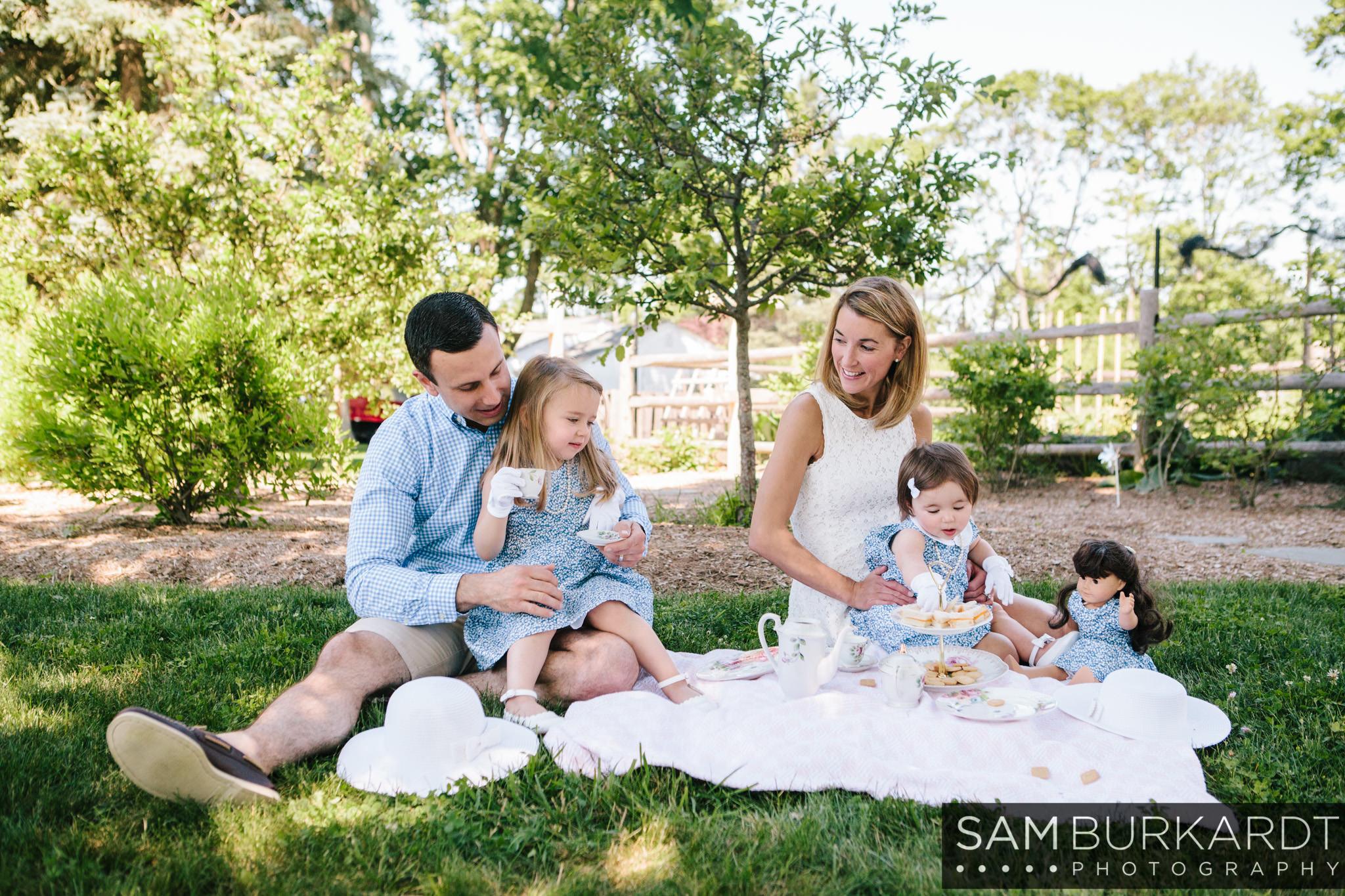 sburkardt_family_portraits_photoshoot_ridgefield_connecticut_summer_tea_party_014.jpg
