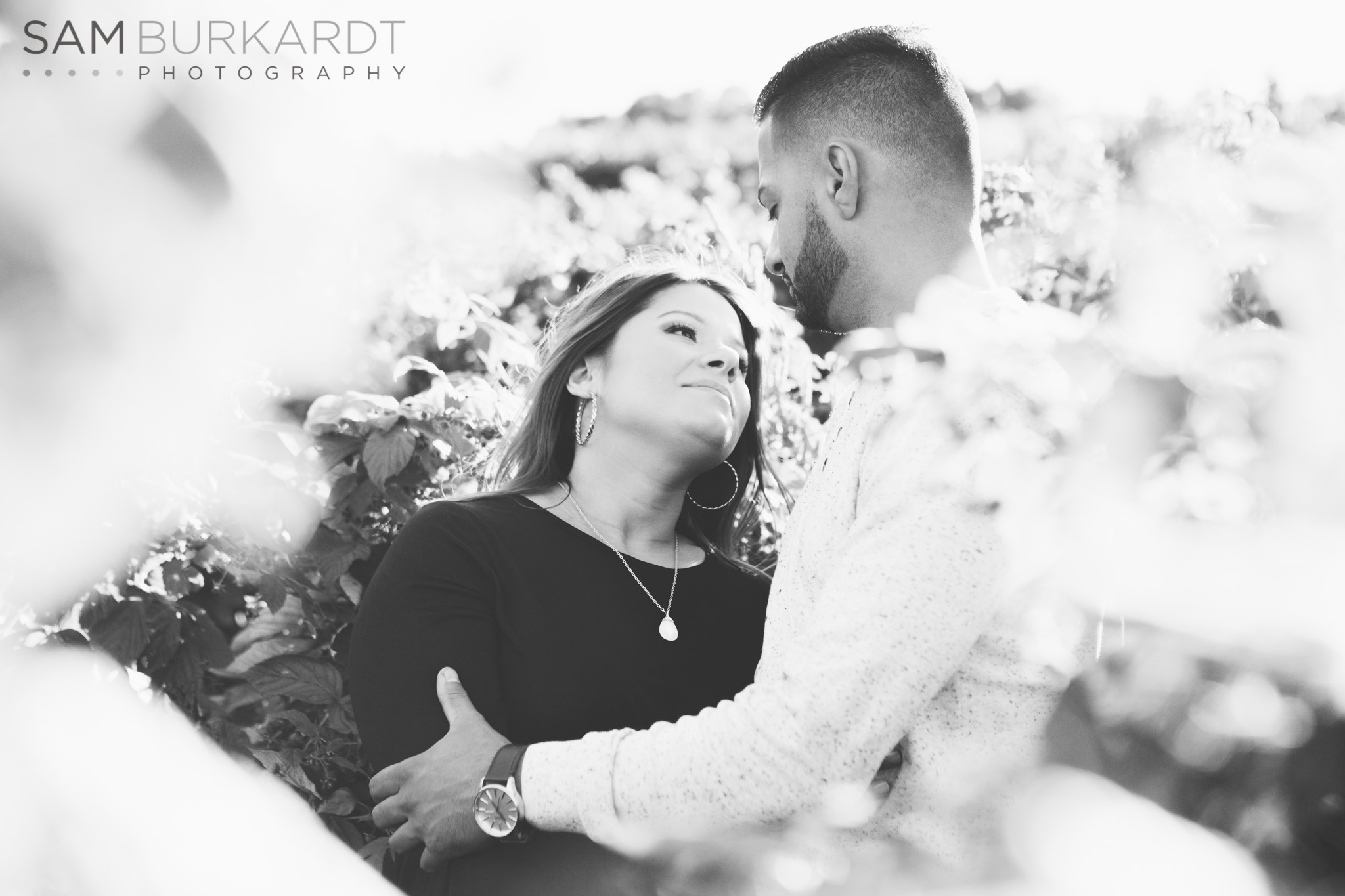 sburkardt_maternity_connecticut_fall_orchard_photography_022.jpg