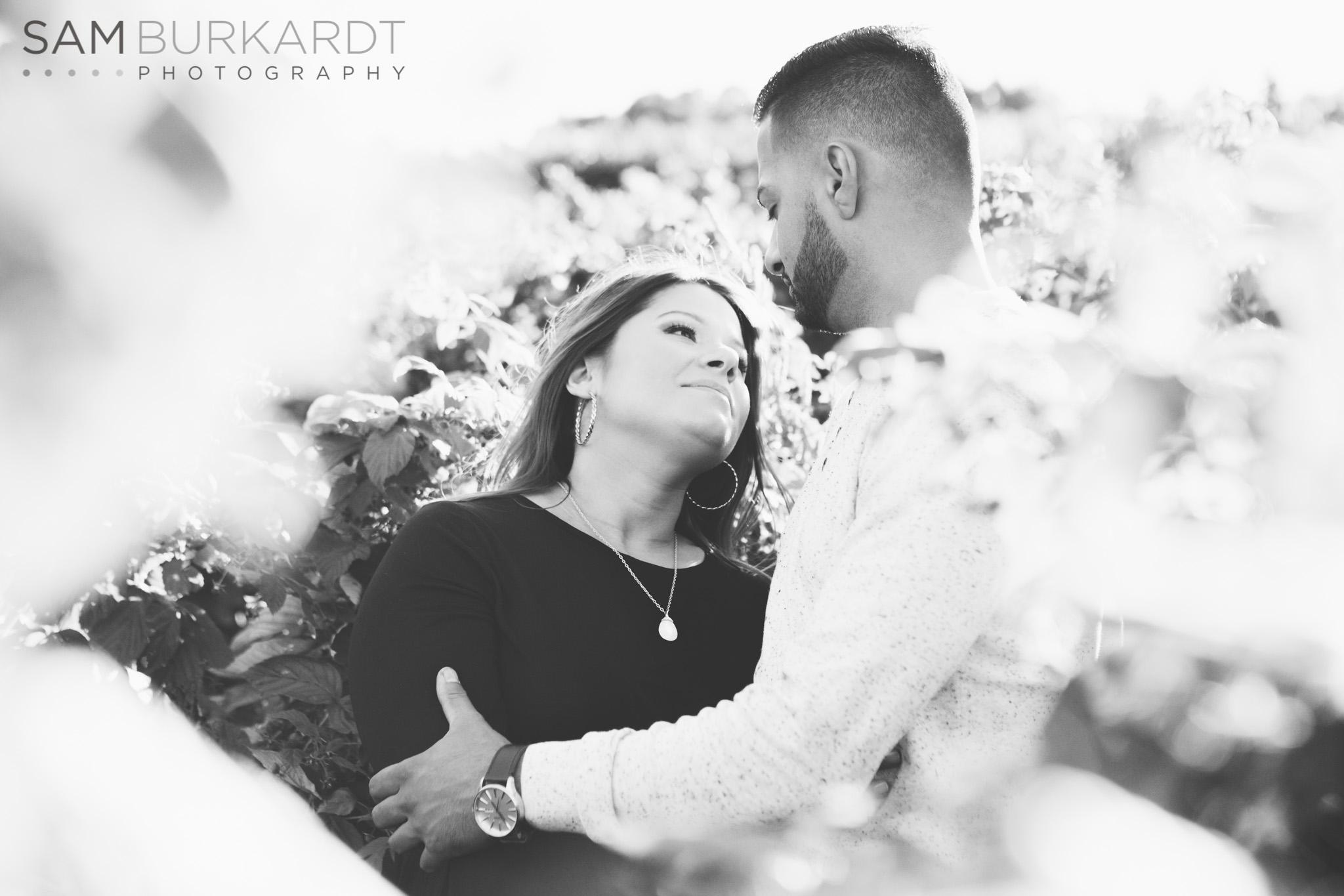 sburkardt_maternity_connecticut_fall_orchard_photography_022.jpg