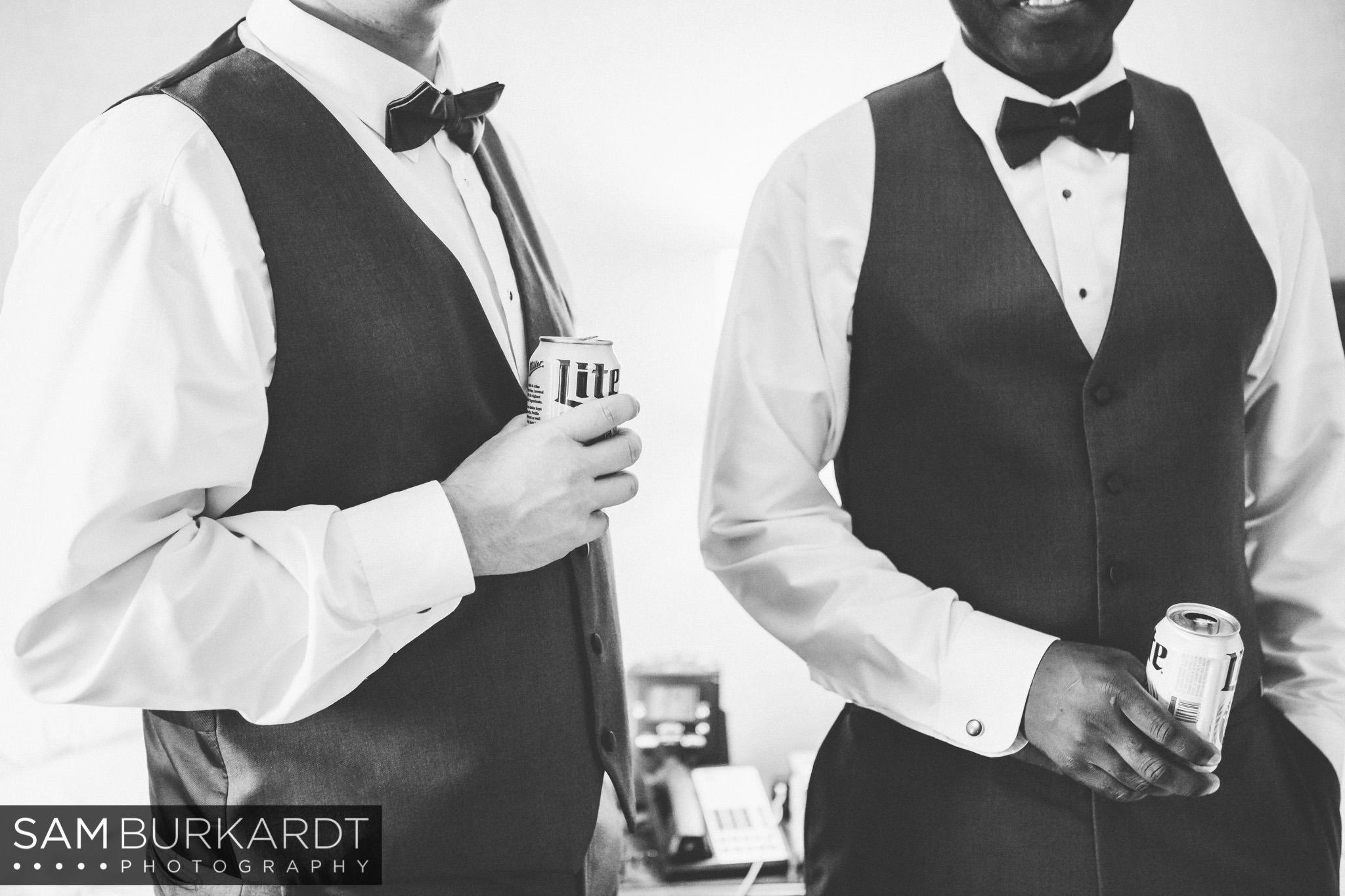 samburkardt_pond_house_hartford_wedding_fall_0005.jpg