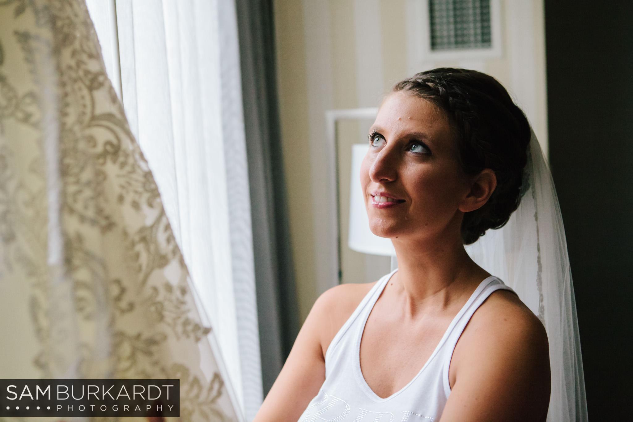 samburkardt_pond_house_hartford_wedding_fall_0007.jpg