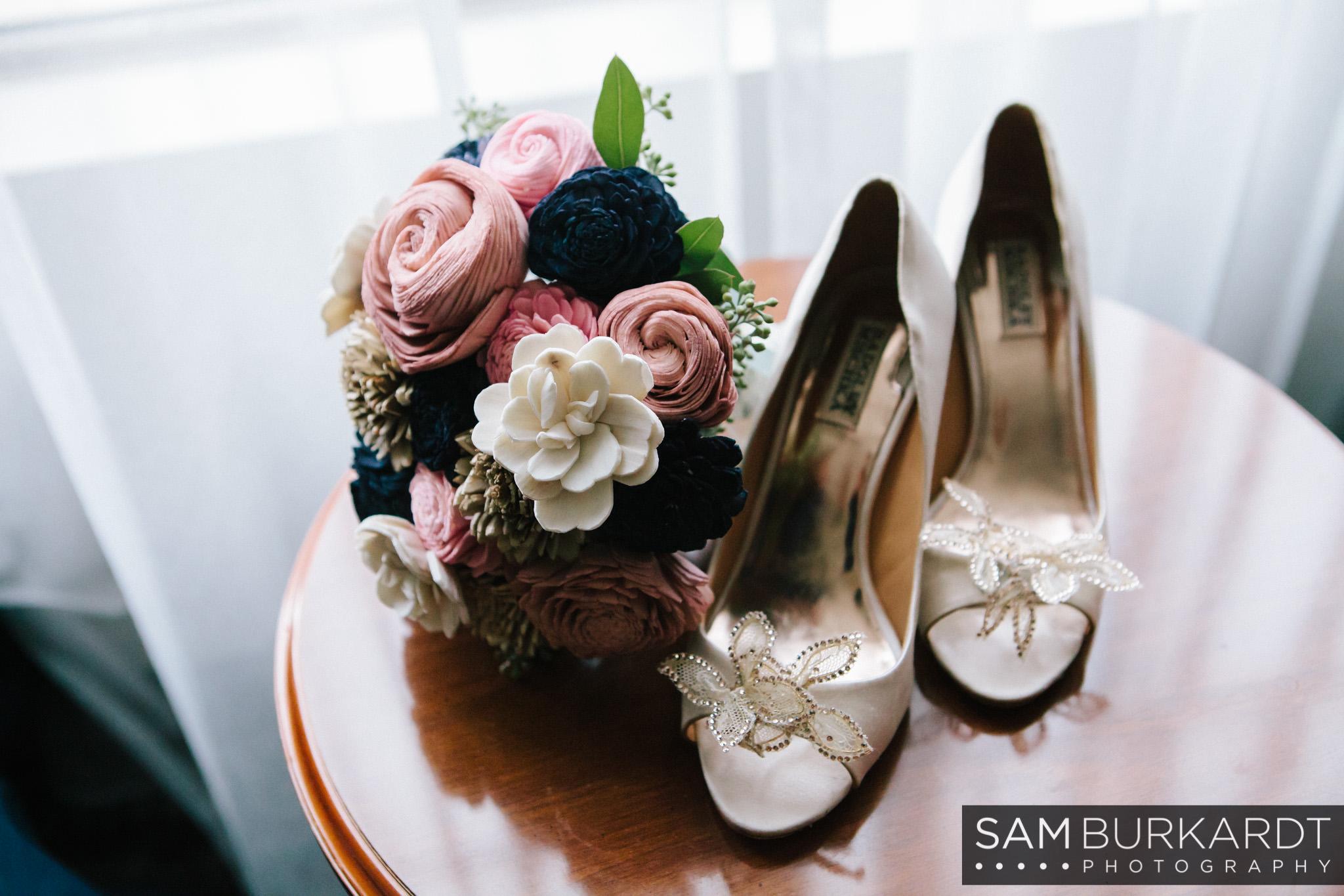 samburkardt_pond_house_hartford_wedding_fall_0013.jpg