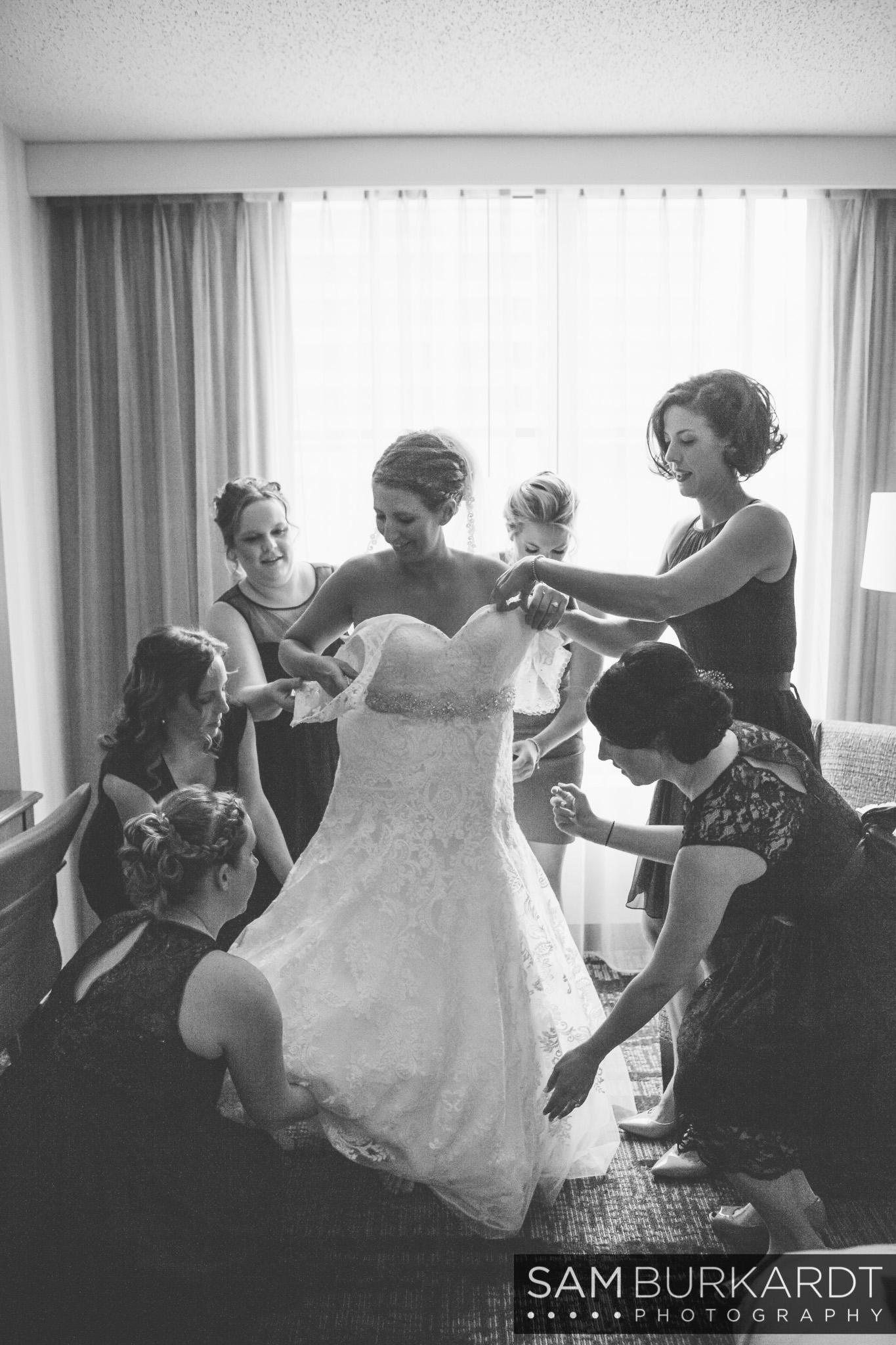 samburkardt_pond_house_hartford_wedding_fall_0014.jpg