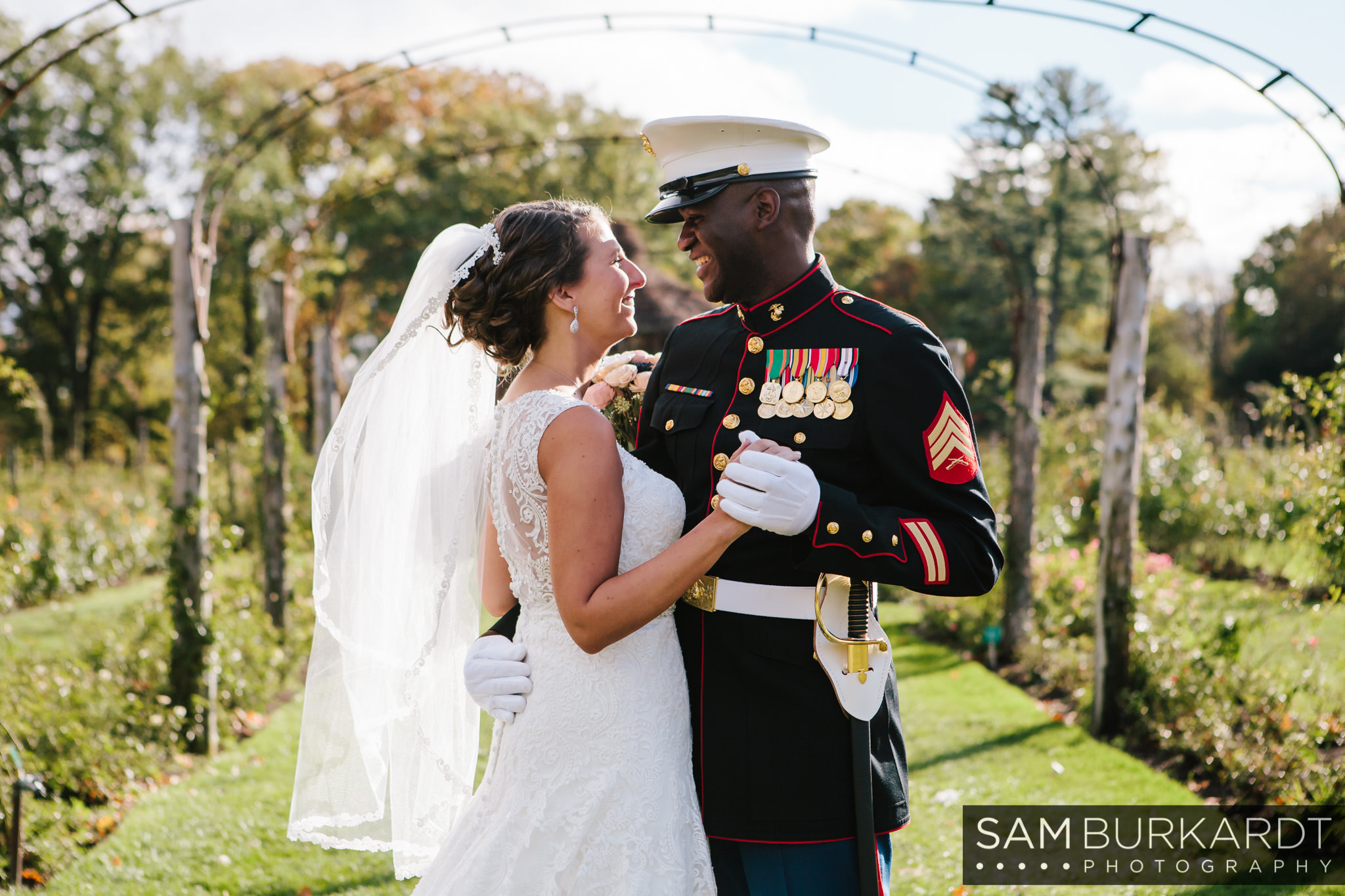 samburkardt_pond_house_hartford_wedding_fall_0025.jpg