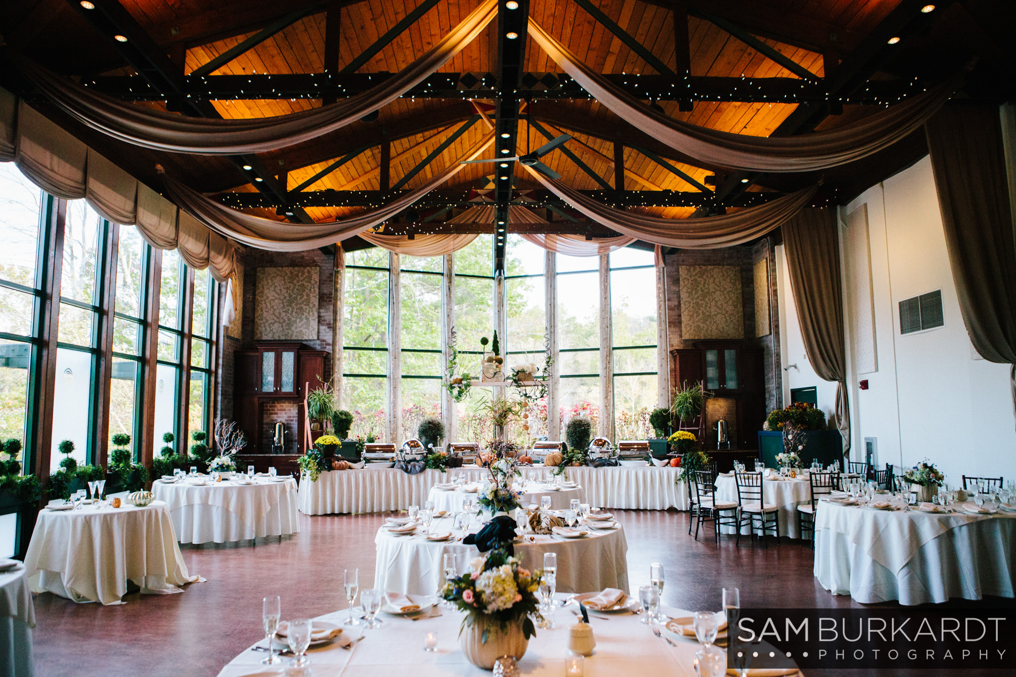 samburkardt_pond_house_hartford_wedding_fall_0053.jpg