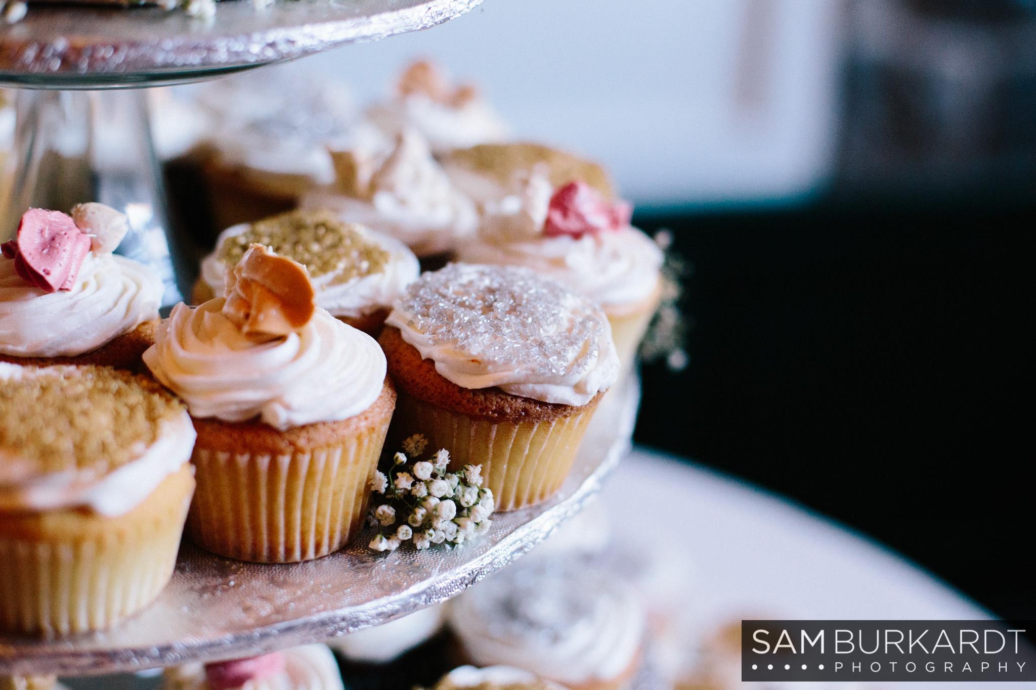 samburkardt_pond_house_hartford_wedding_fall_0055.jpg