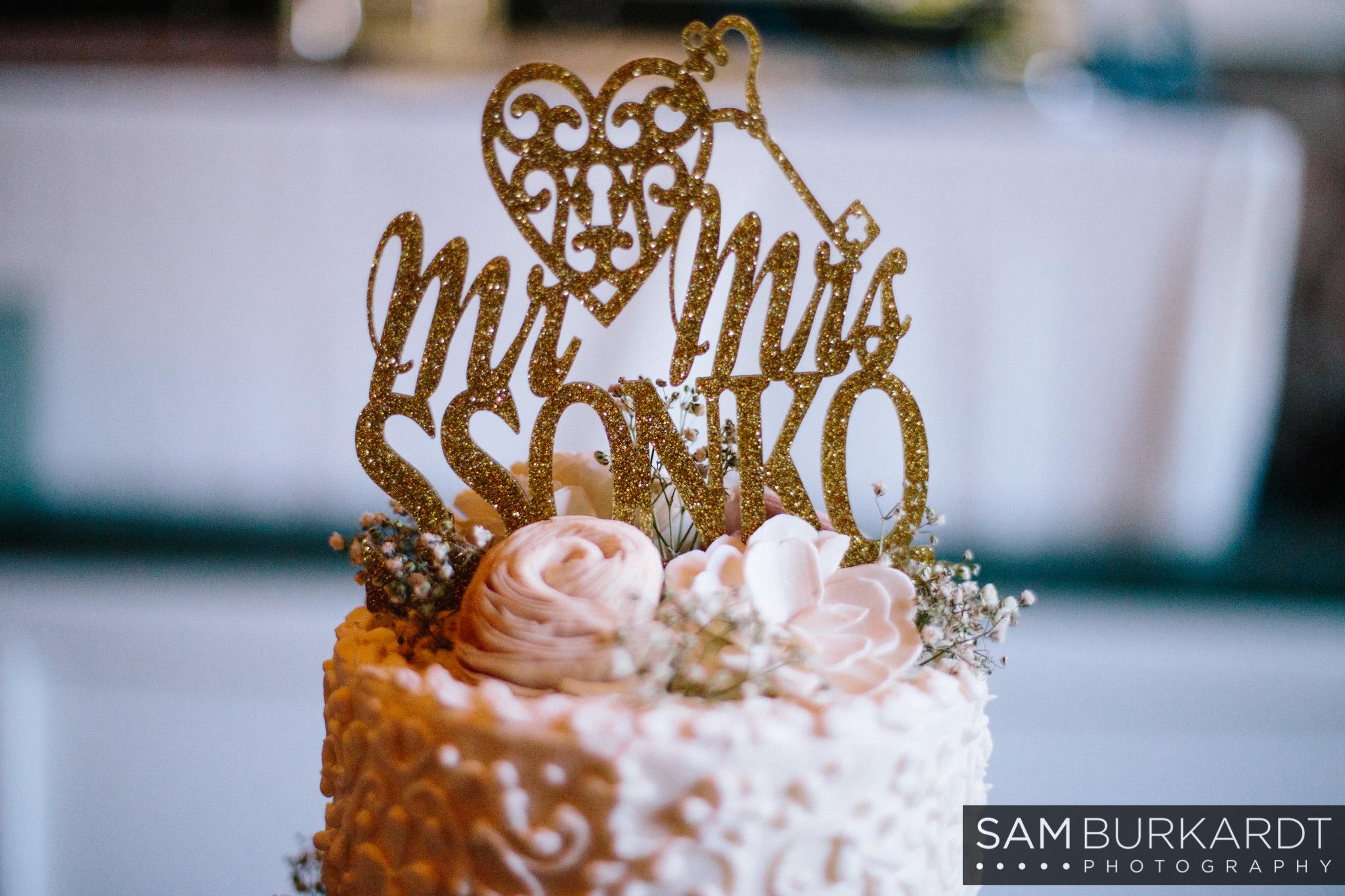 samburkardt_pond_house_hartford_wedding_fall_0056.jpg