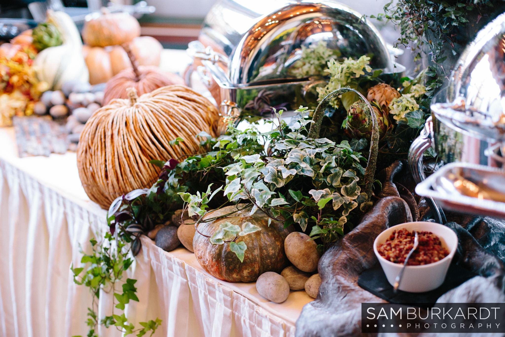 samburkardt_pond_house_hartford_wedding_fall_0059.jpg