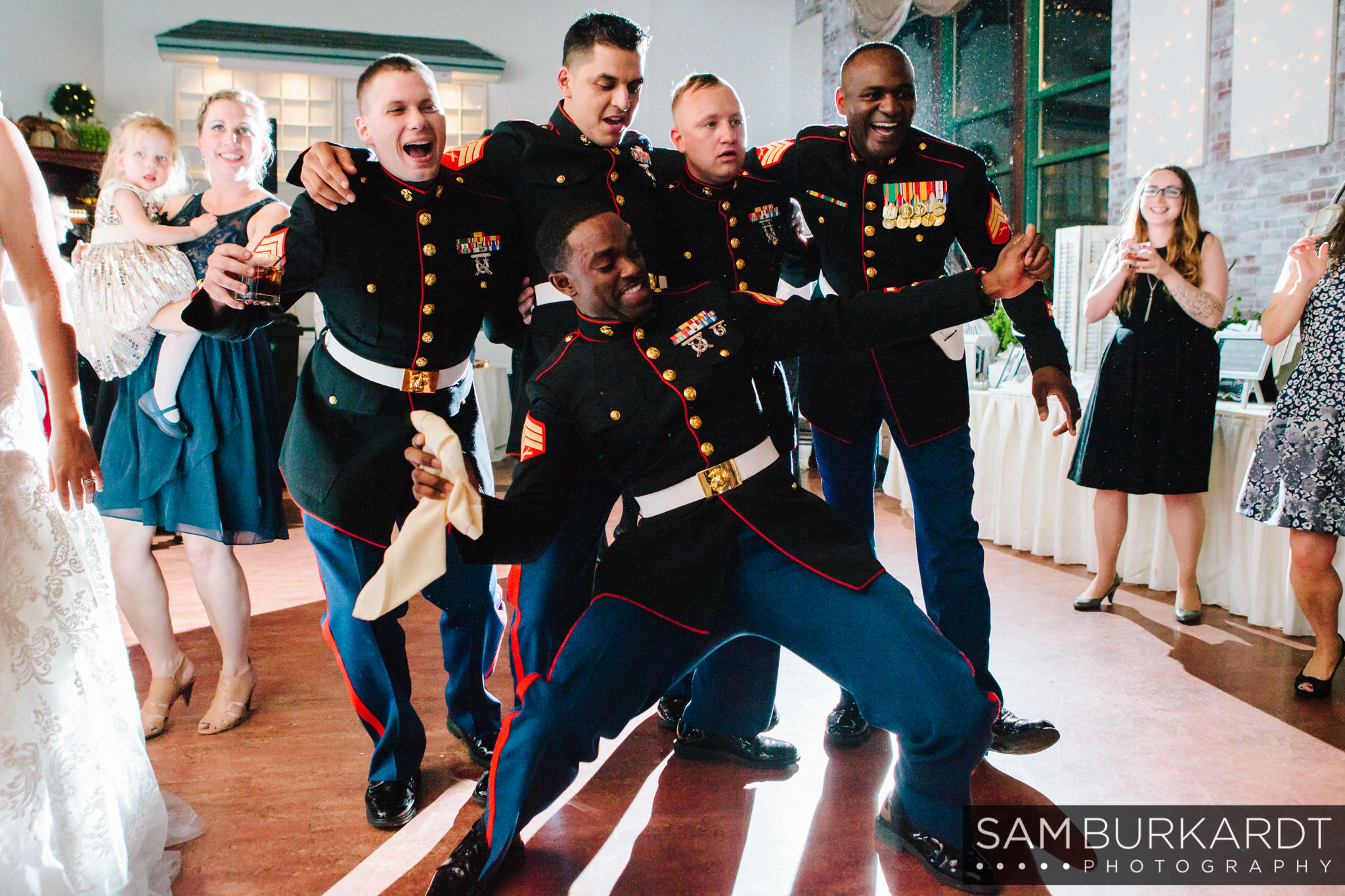 samburkardt_pond_house_hartford_wedding_fall_0066.jpg