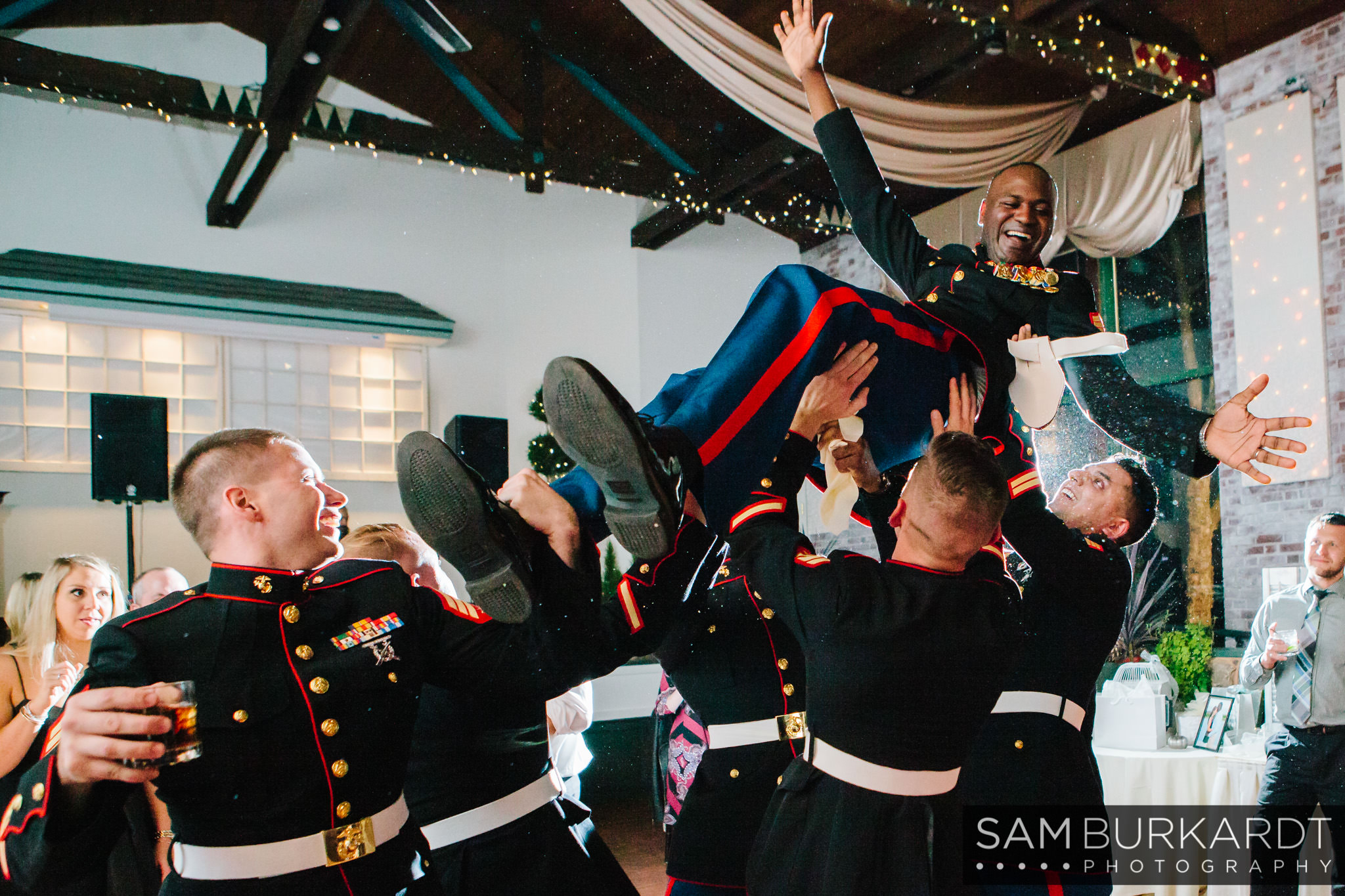 samburkardt_pond_house_hartford_wedding_fall_0067.jpg