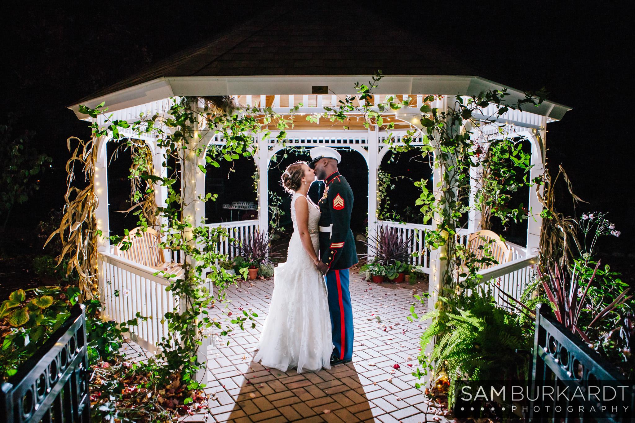 samburkardt_pond_house_hartford_wedding_fall_0069.jpg
