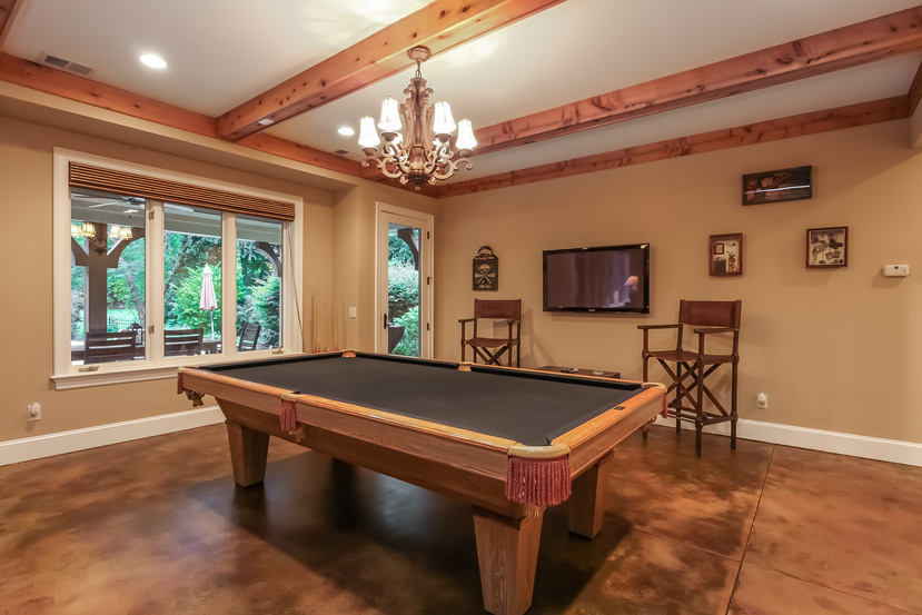 real_estate_photography_billiards_room_charlotte
