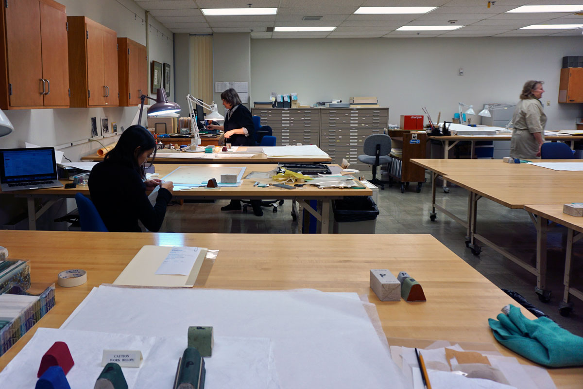 © 2017 Louise Levergneux, Kimberly Kwan and Jane Boyd in the Paper Conservation Lab