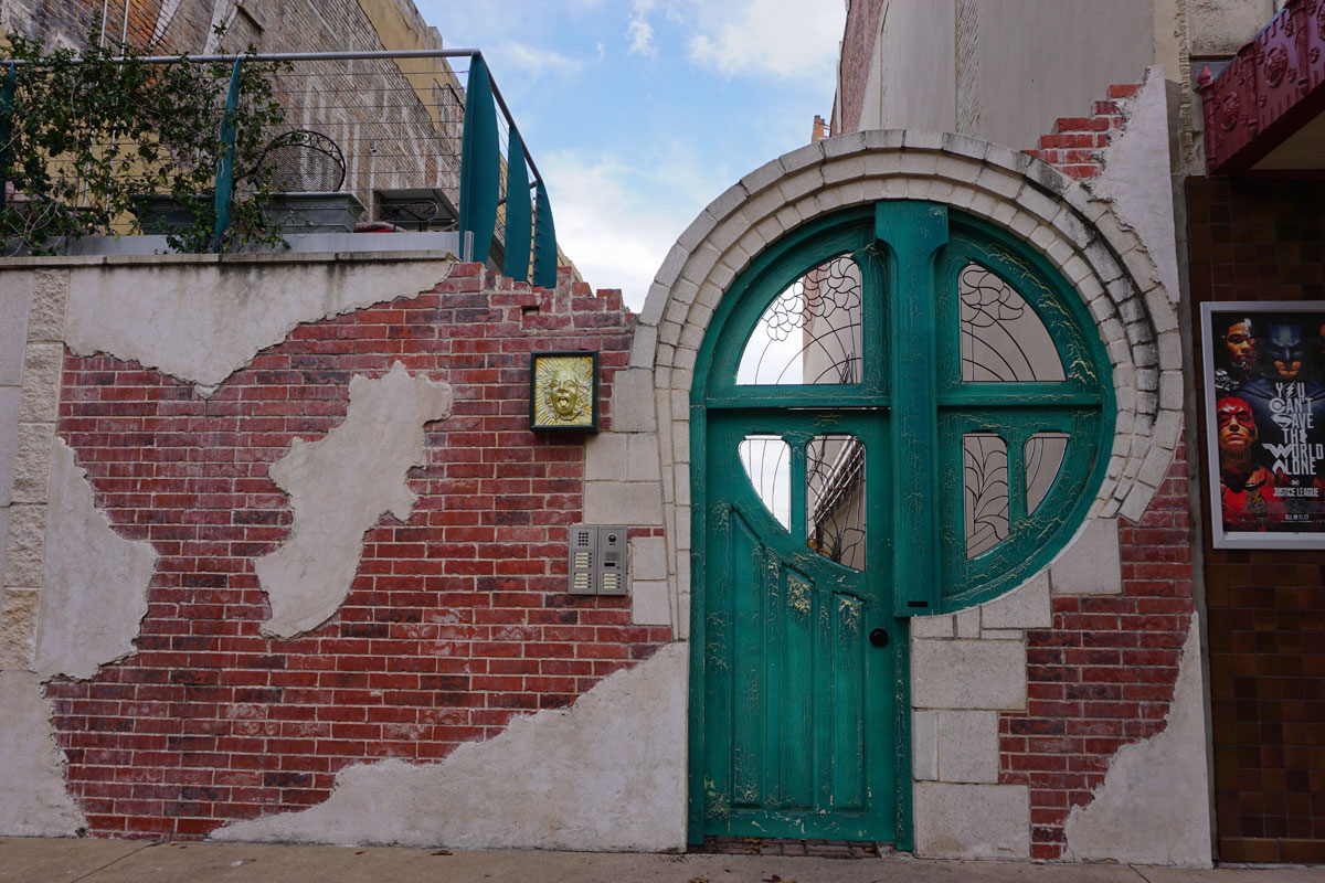 © 2017 Louise Levergneux, door in downtown Waco, Texas