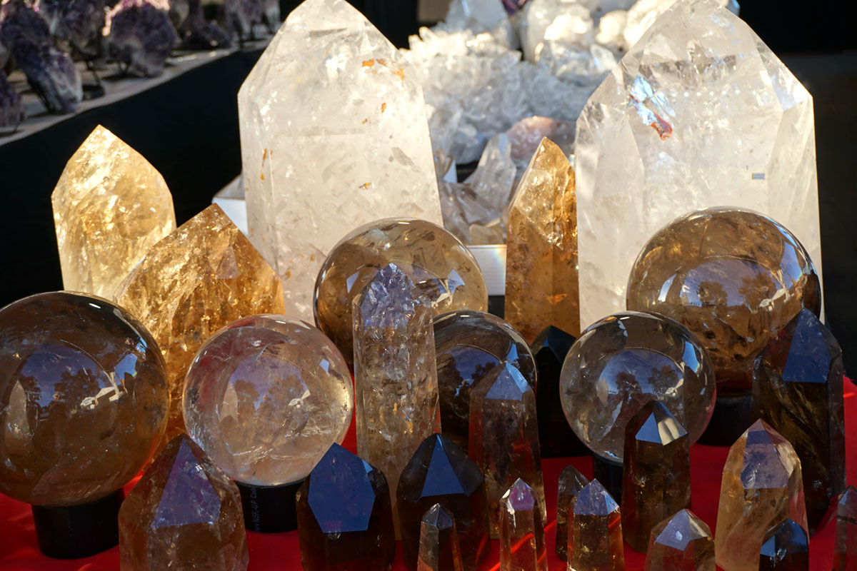 © 2018 Louise Levergneux, Clear Quartz and Citrine at the Gem Show