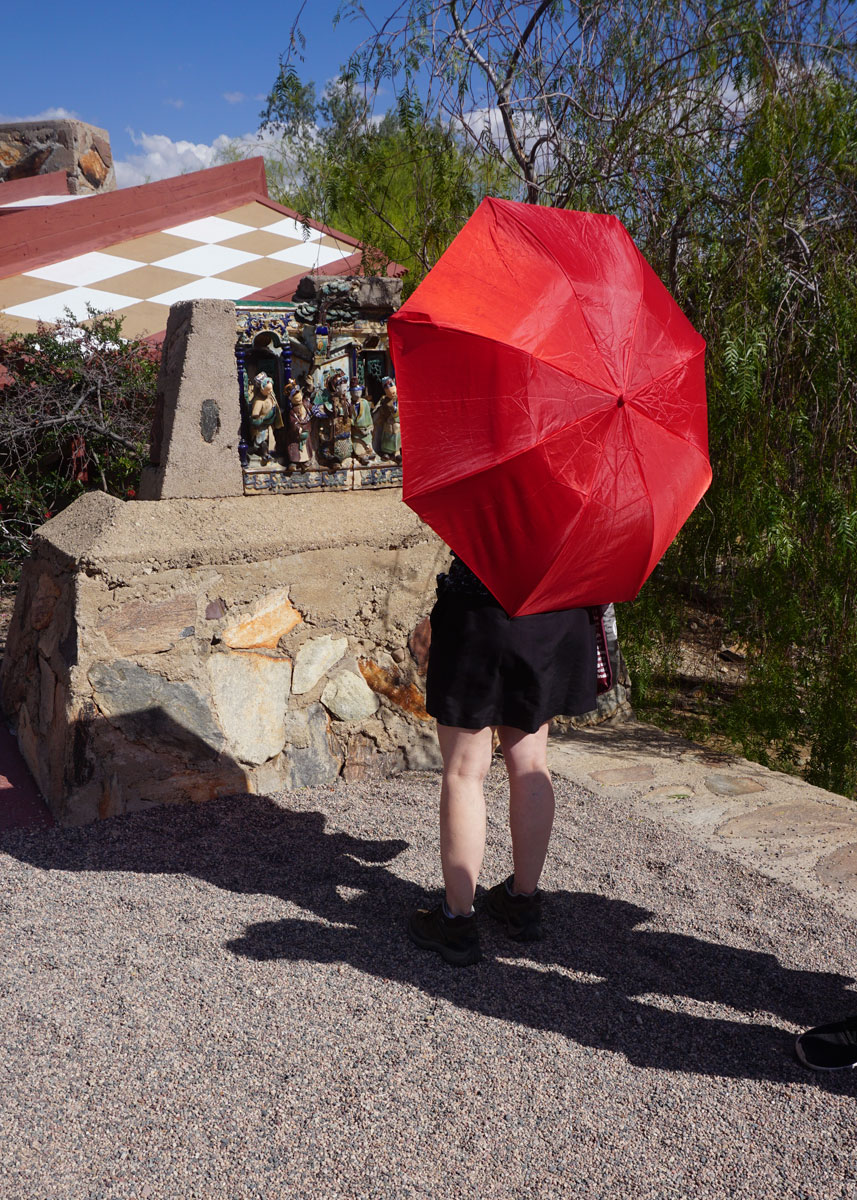 © 2018 Louise Levergneux, Flavie photographing and enjoying an architect's work at Taliesin West, Phoenix