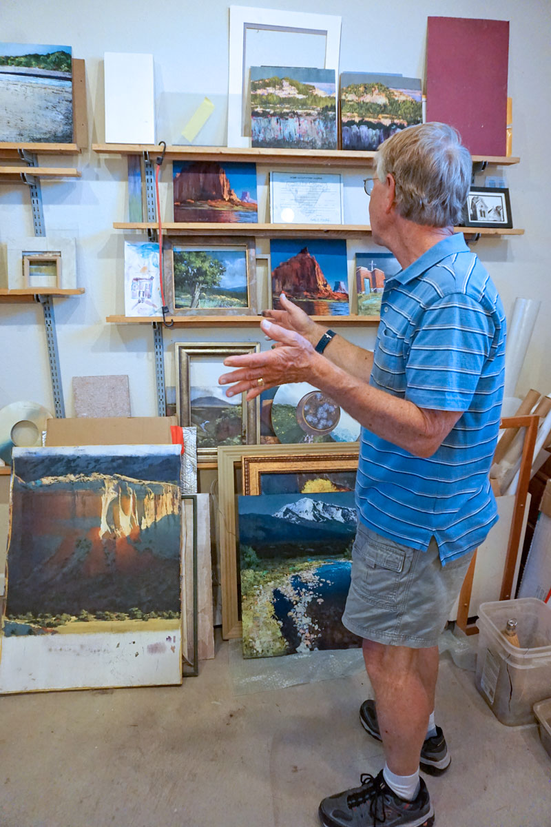 © 2018 Louise Levergneux, Paul Murray in his studio talking about his paintings