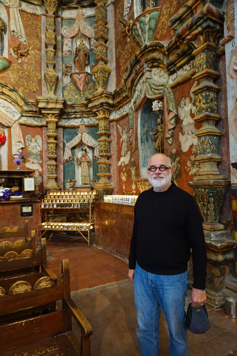 © 2018 Louise Levergneux. Michael at the Mission San Xavier del Bac. /  Michael à la mission San Xavier del Bac.
