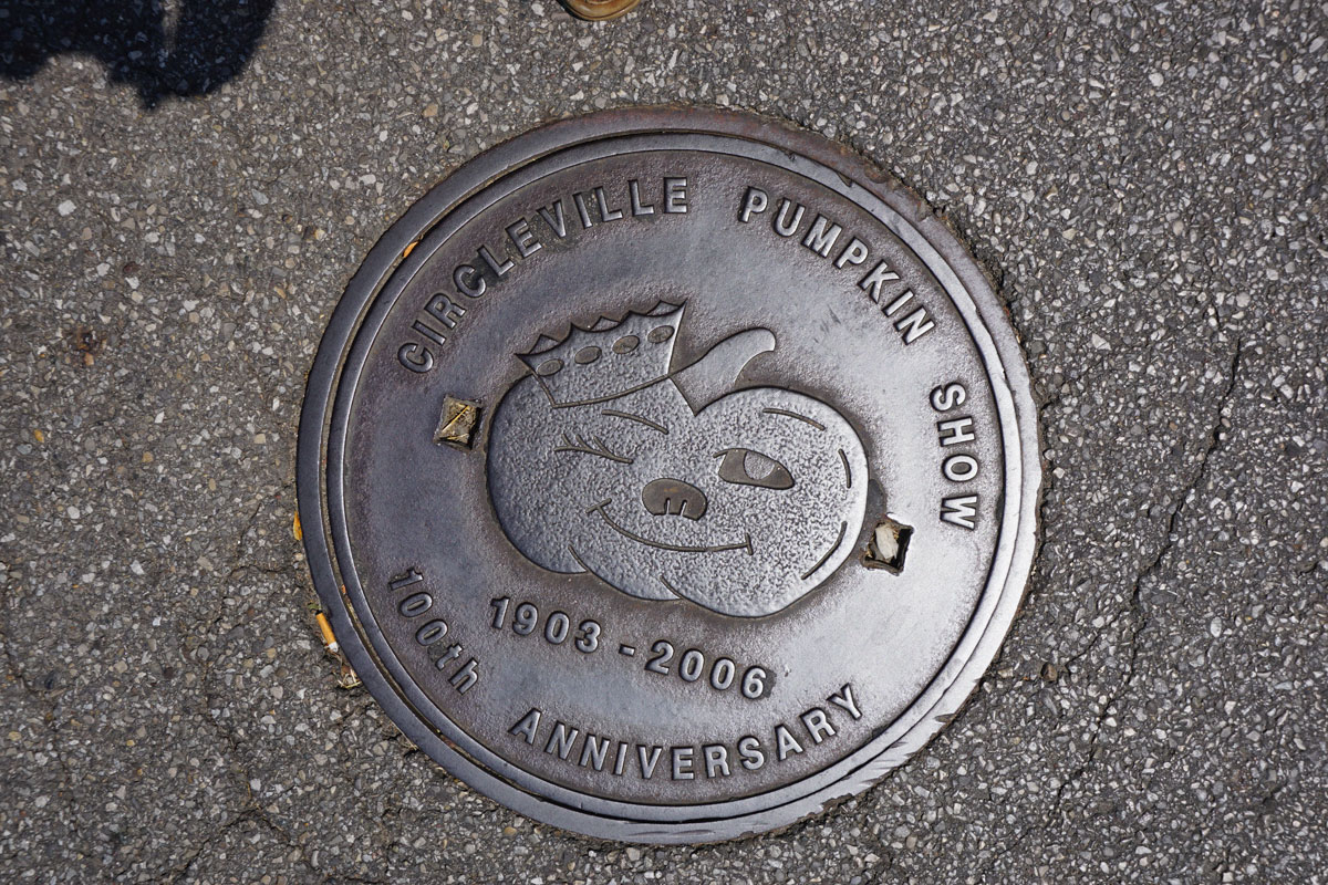 © 2018 Louise Levergneux. Manhole cover in Circleville, Ohio.