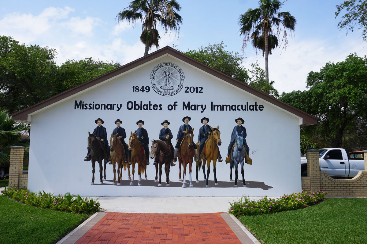 © 2019 Louise Levergneux. In 1849, the Oblates Fathers of Mary Immaculate climbed off a boat to begin their long service to this seaside community of Port Isabel. On horseback, the missionary priests and brothers spread the Catholic faith and established missions and schools across the Rio Grande Valley and Texas and continued as far north as Canada. /  En 1849, les Pères Oblats de Marie Immaculée ont descendu d'un bateau et débutent leur long service dans la communauté côtière à Port Isabel. À cheval, les prêtres et les frères missionnaires répandent la religion catholique et construisent des missions et des écoles dans la vallée du Rio Grande, au Texas, puis au Canada.